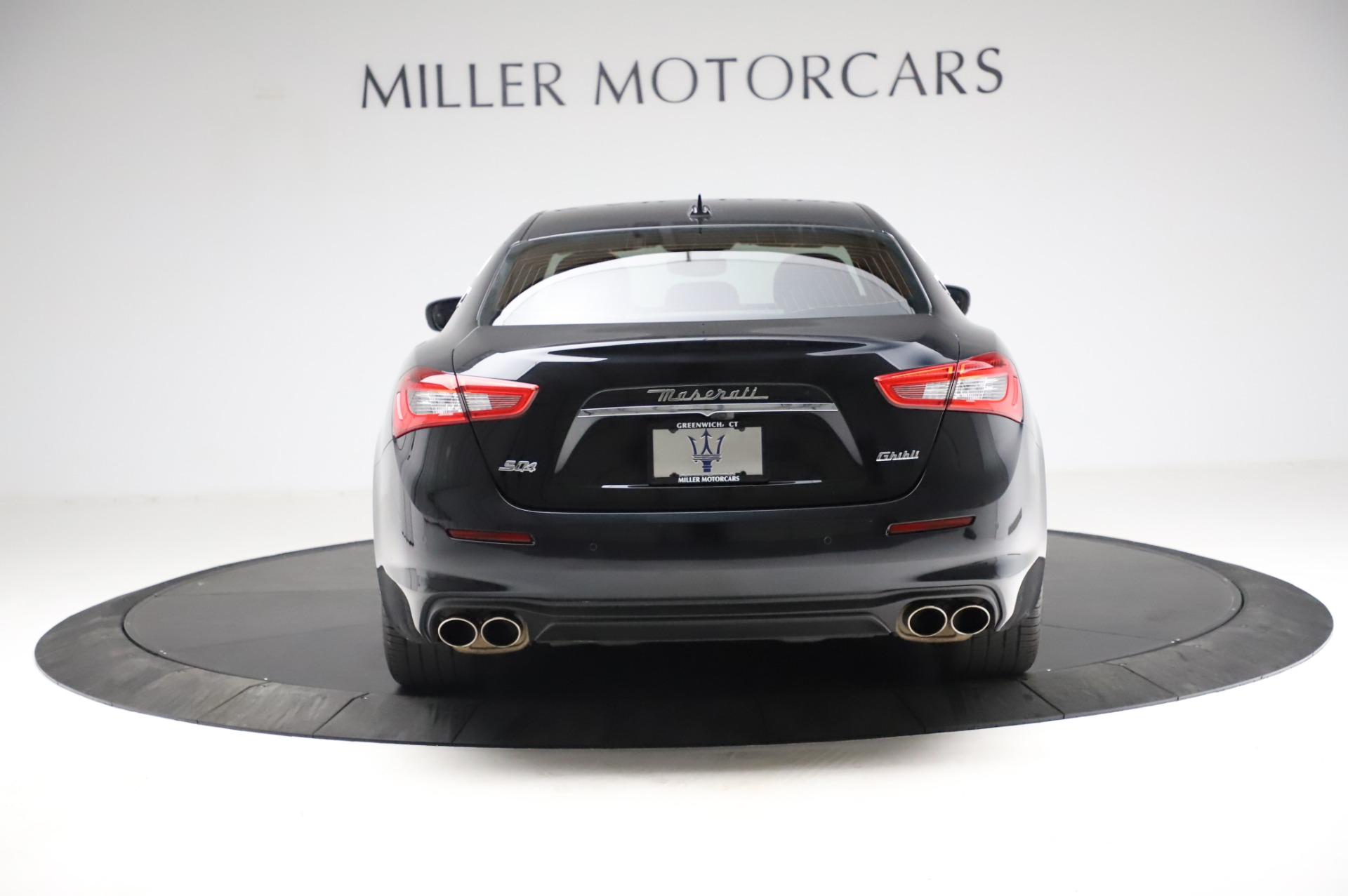 Used 2018 Maserati Ghibli S Q4 For Sale In Greenwich, CT 1698_p7
