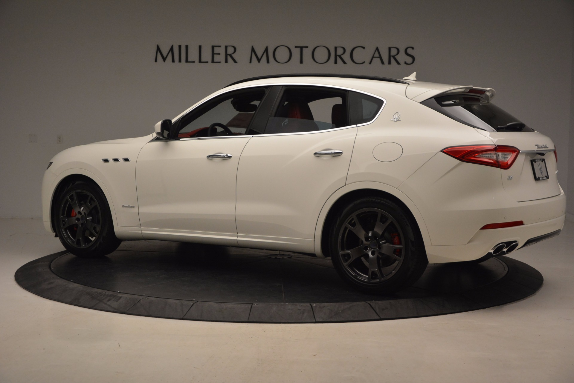 New 2018 Maserati Levante Q4 GranLusso For Sale In Greenwich, CT 1708_p4