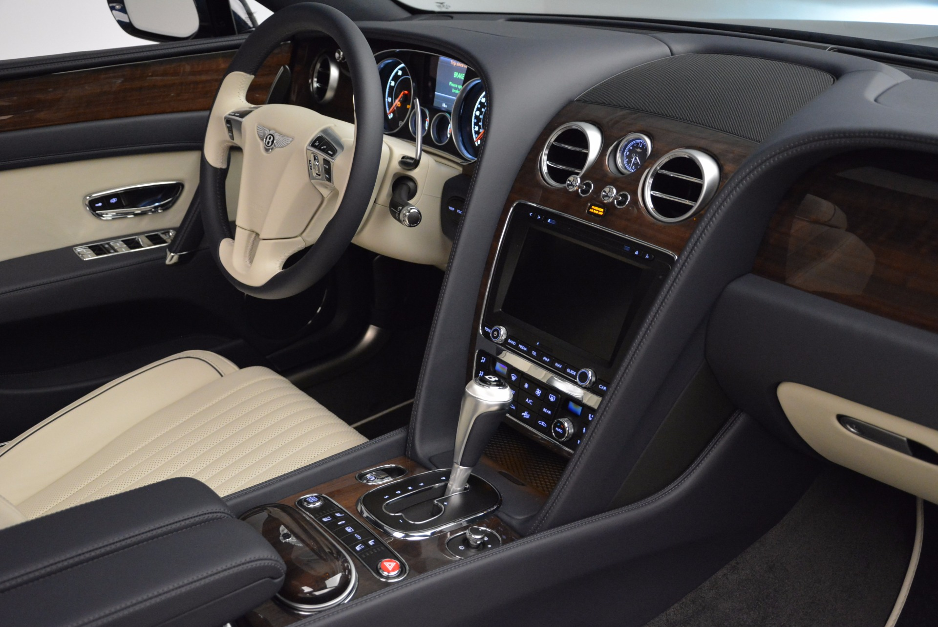 New 2017 Bentley Flying Spur V8 For Sale In Greenwich, CT 1713_p33