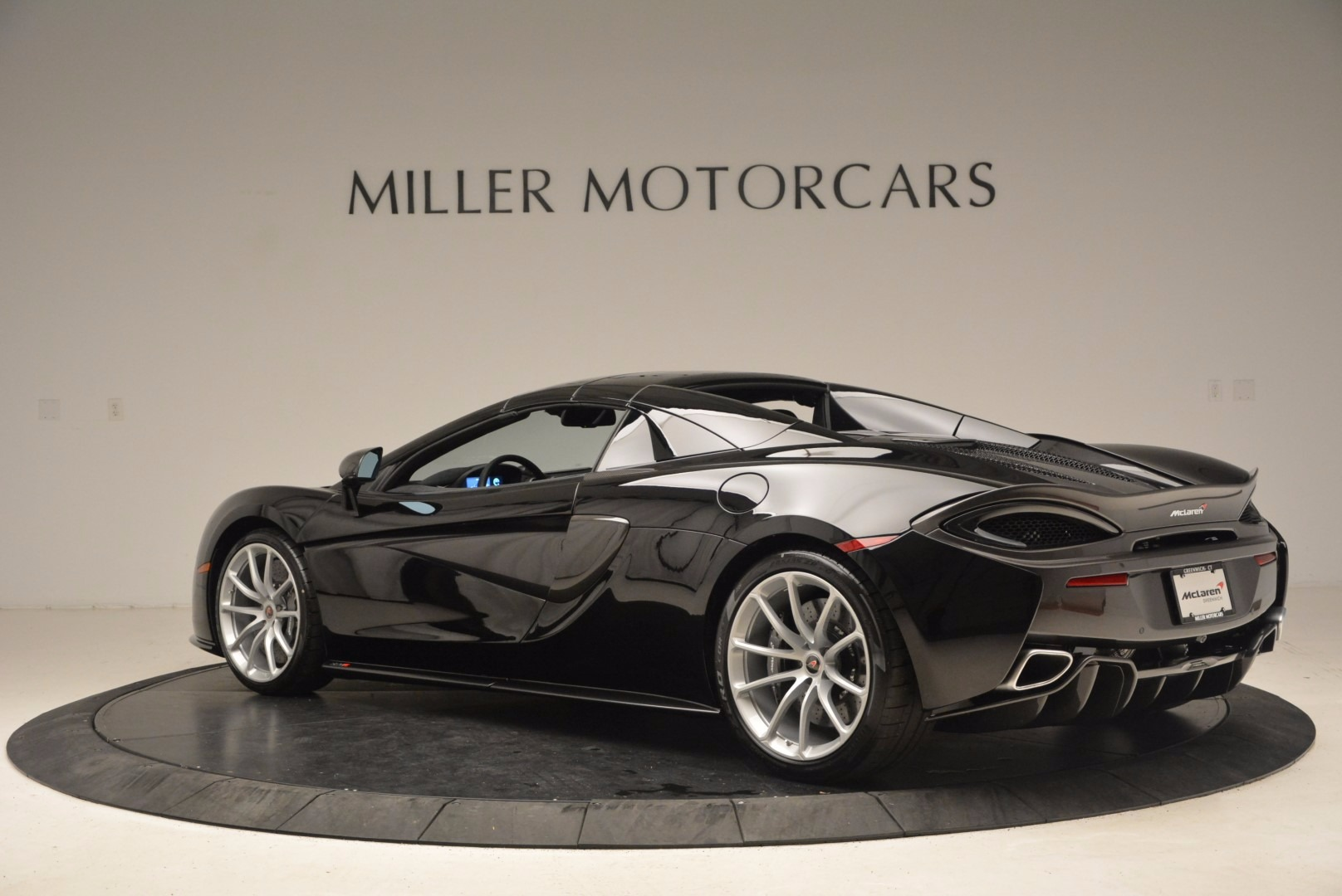Used 2018 McLaren 570S Spider For Sale In Greenwich, CT 1716_p15