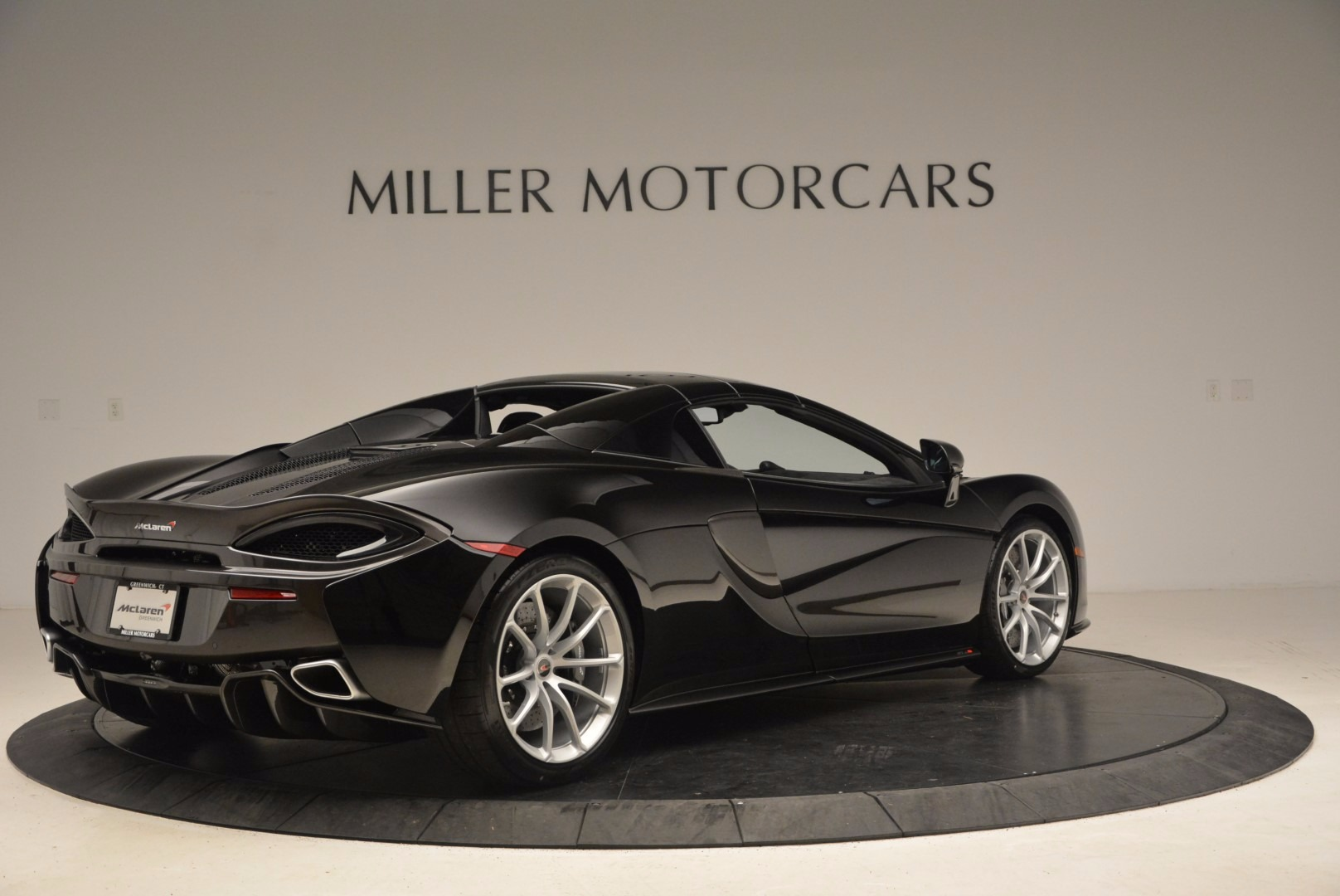 Used 2018 McLaren 570S Spider For Sale In Greenwich, CT 1716_p17