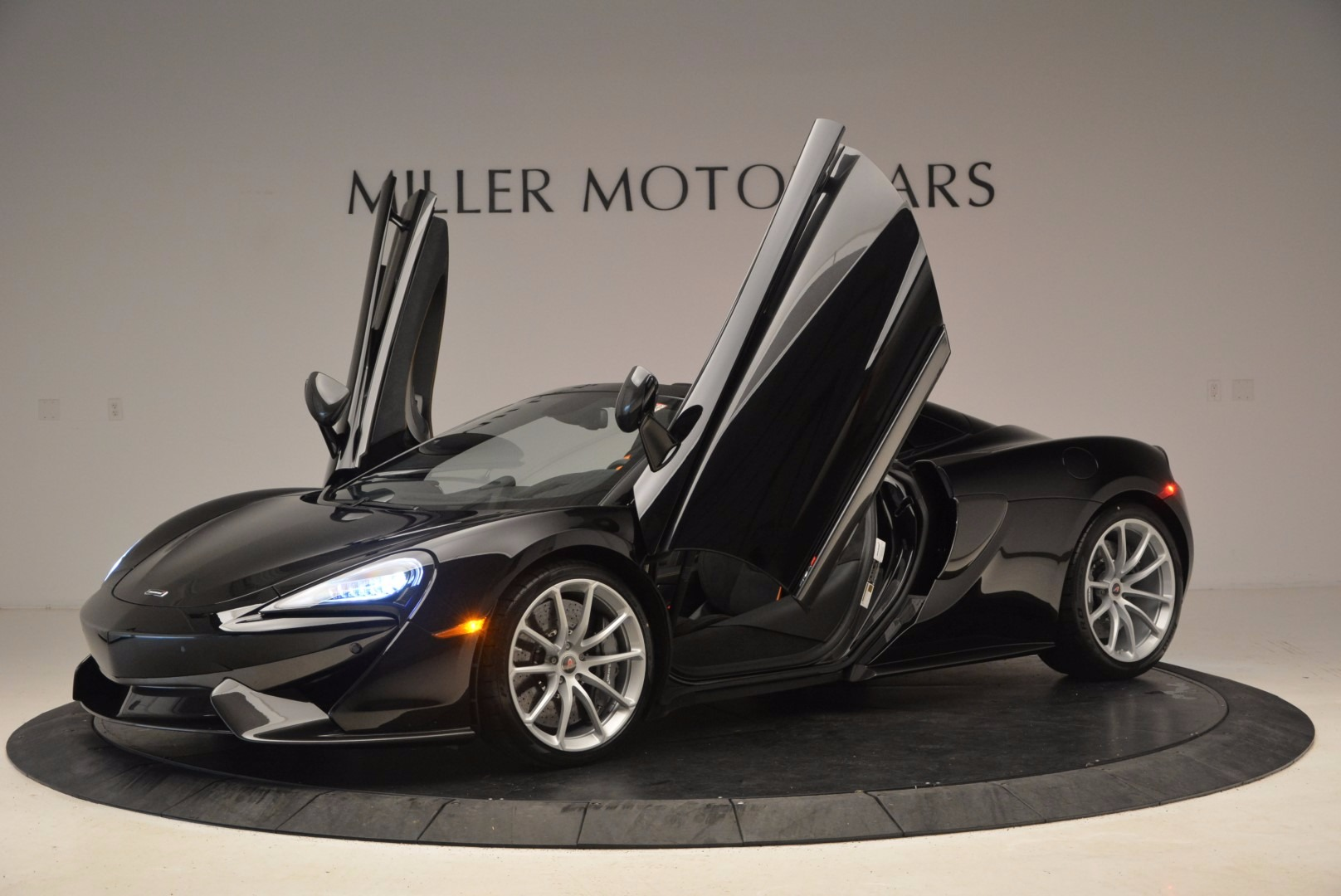 Used 2018 McLaren 570S Spider For Sale In Greenwich, CT 1716_p22