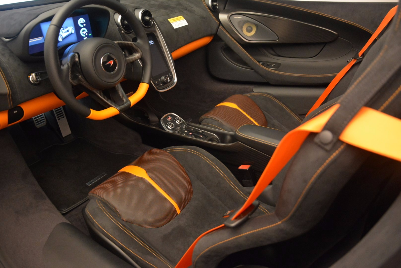 Used 2018 McLaren 570S Spider For Sale In Greenwich, CT 1716_p25