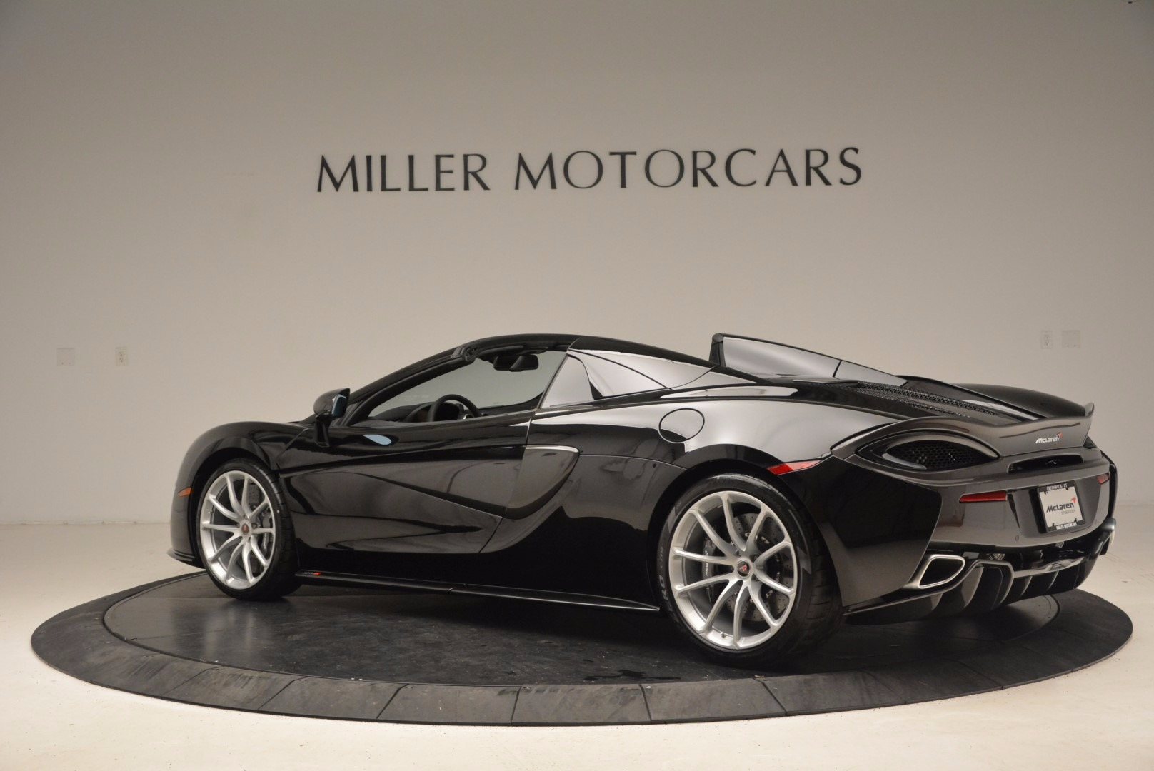 Used 2018 McLaren 570S Spider For Sale In Greenwich, CT 1716_p4