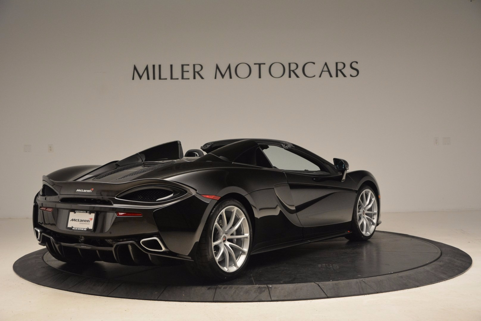 Used 2018 McLaren 570S Spider For Sale In Greenwich, CT 1716_p7