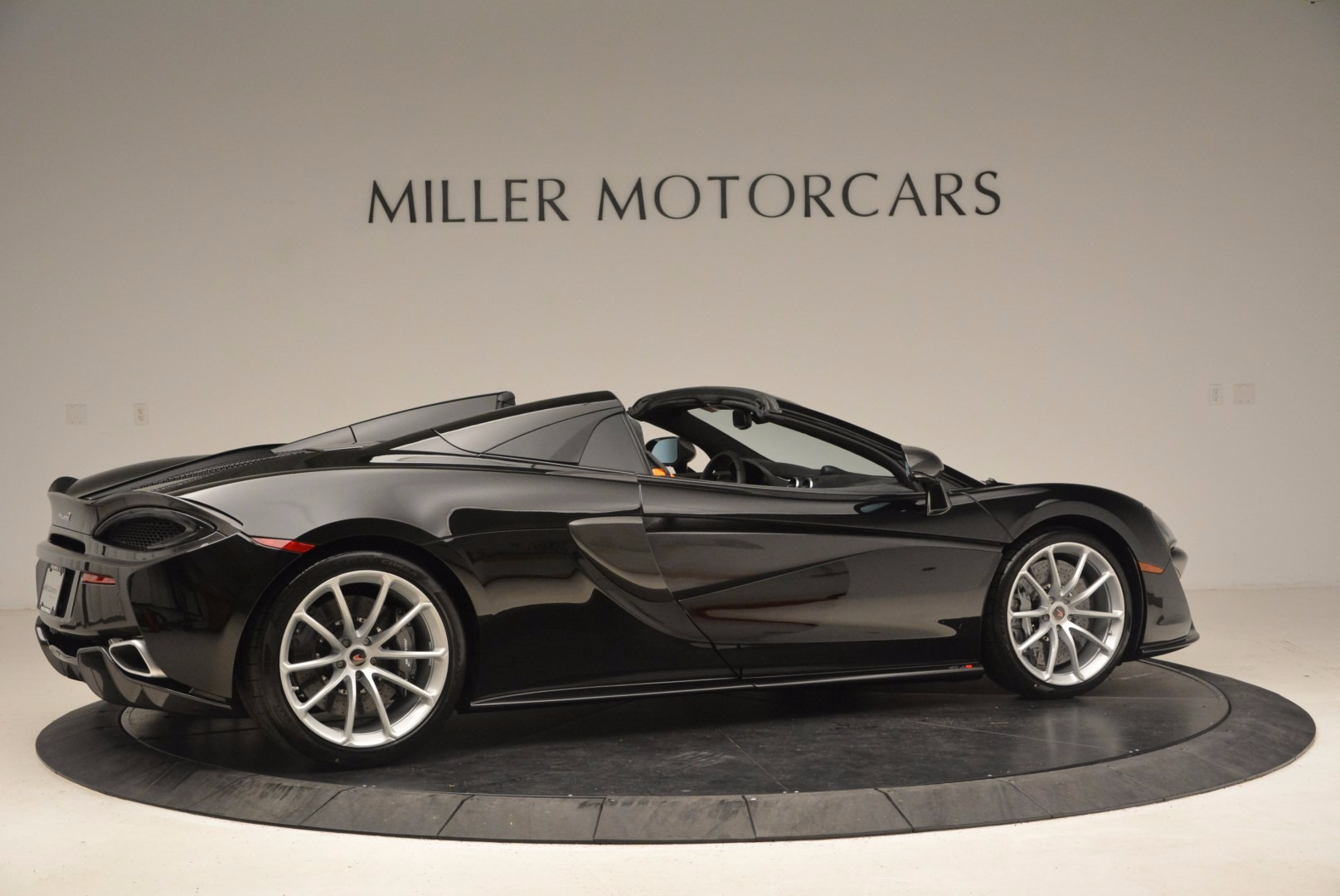 Used 2018 McLaren 570S Spider For Sale In Greenwich, CT 1716_p8