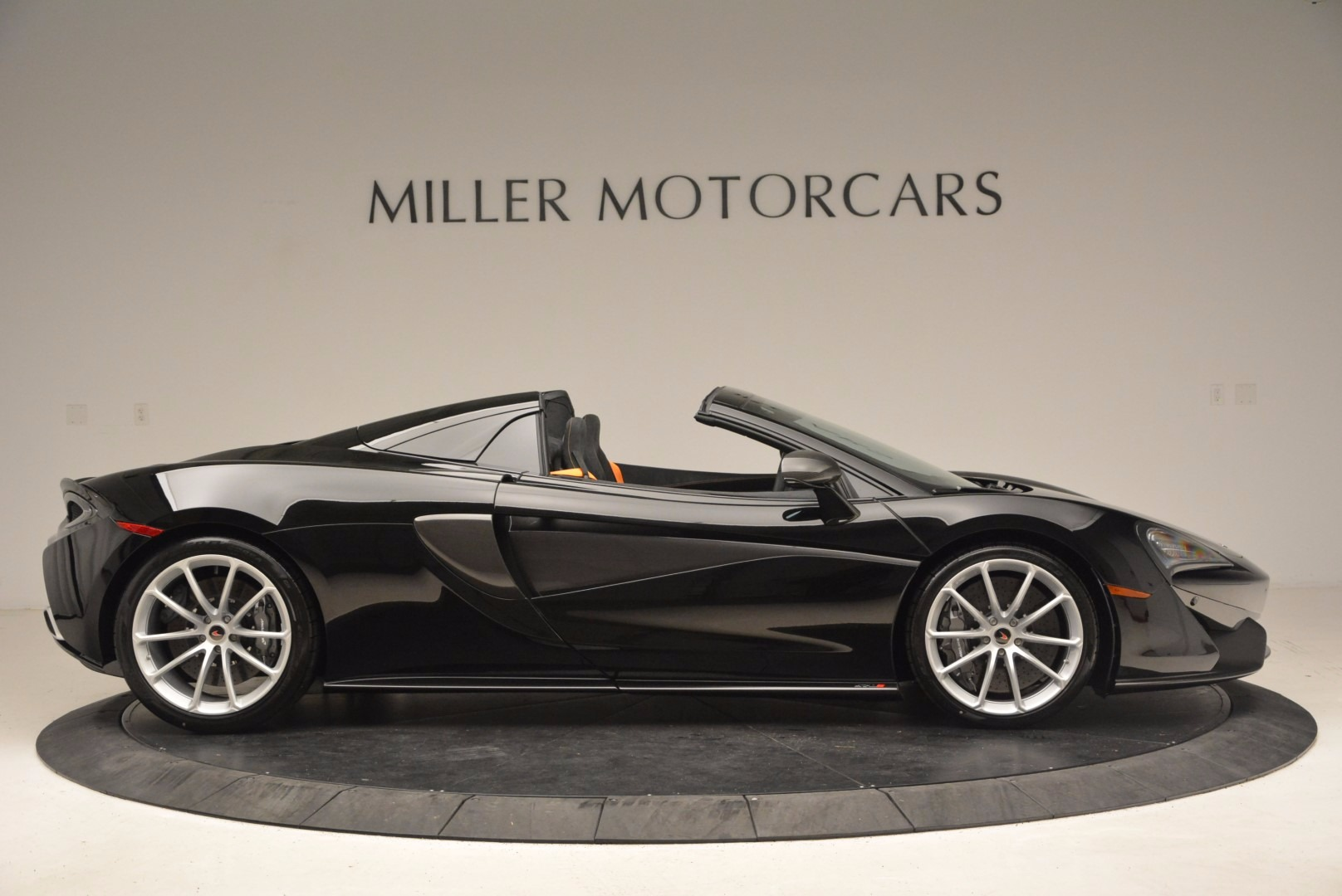 Used 2018 McLaren 570S Spider For Sale In Greenwich, CT 1716_p9