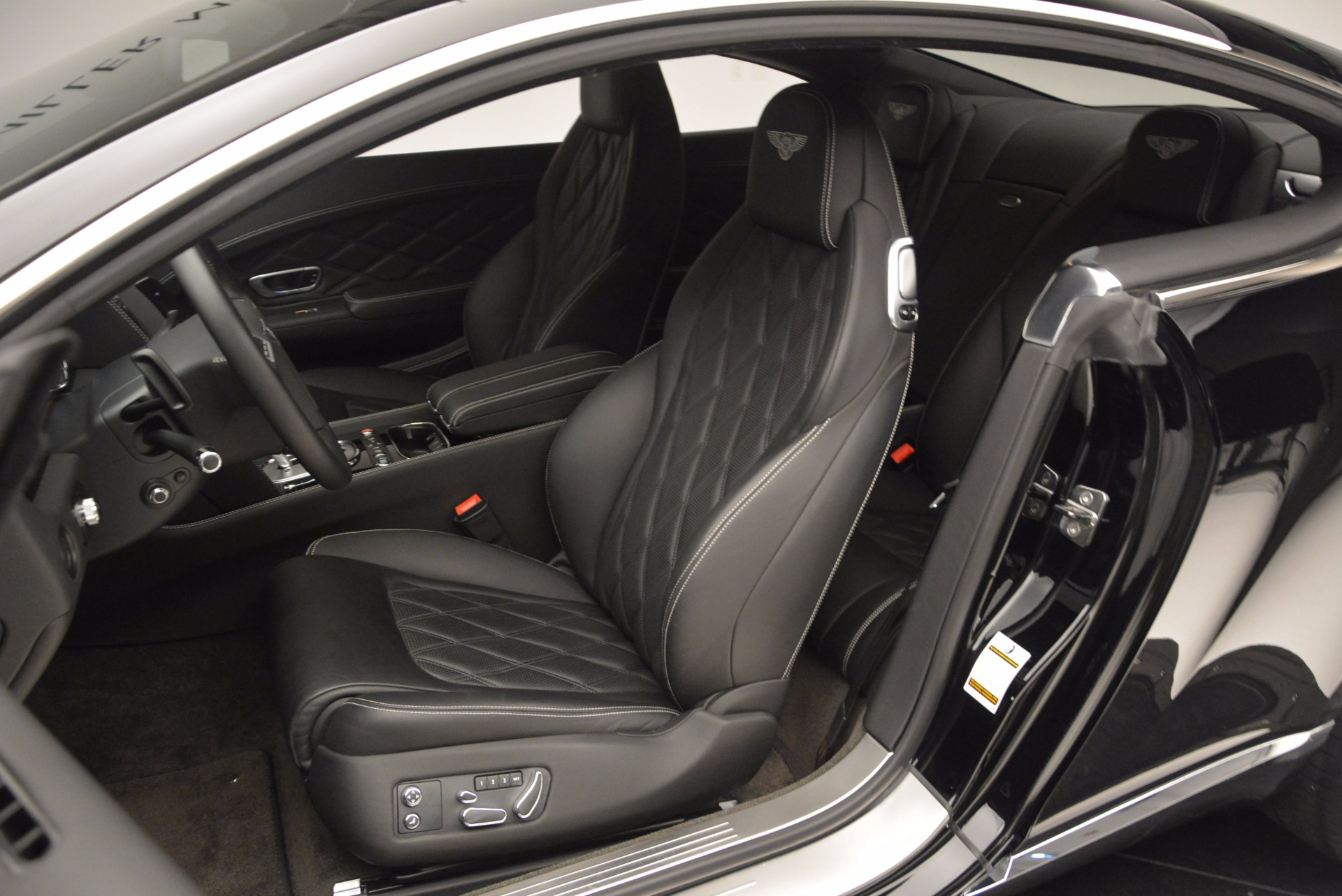 Used 2012 Bentley Continental GT W12 For Sale In Greenwich, CT 1717_p17