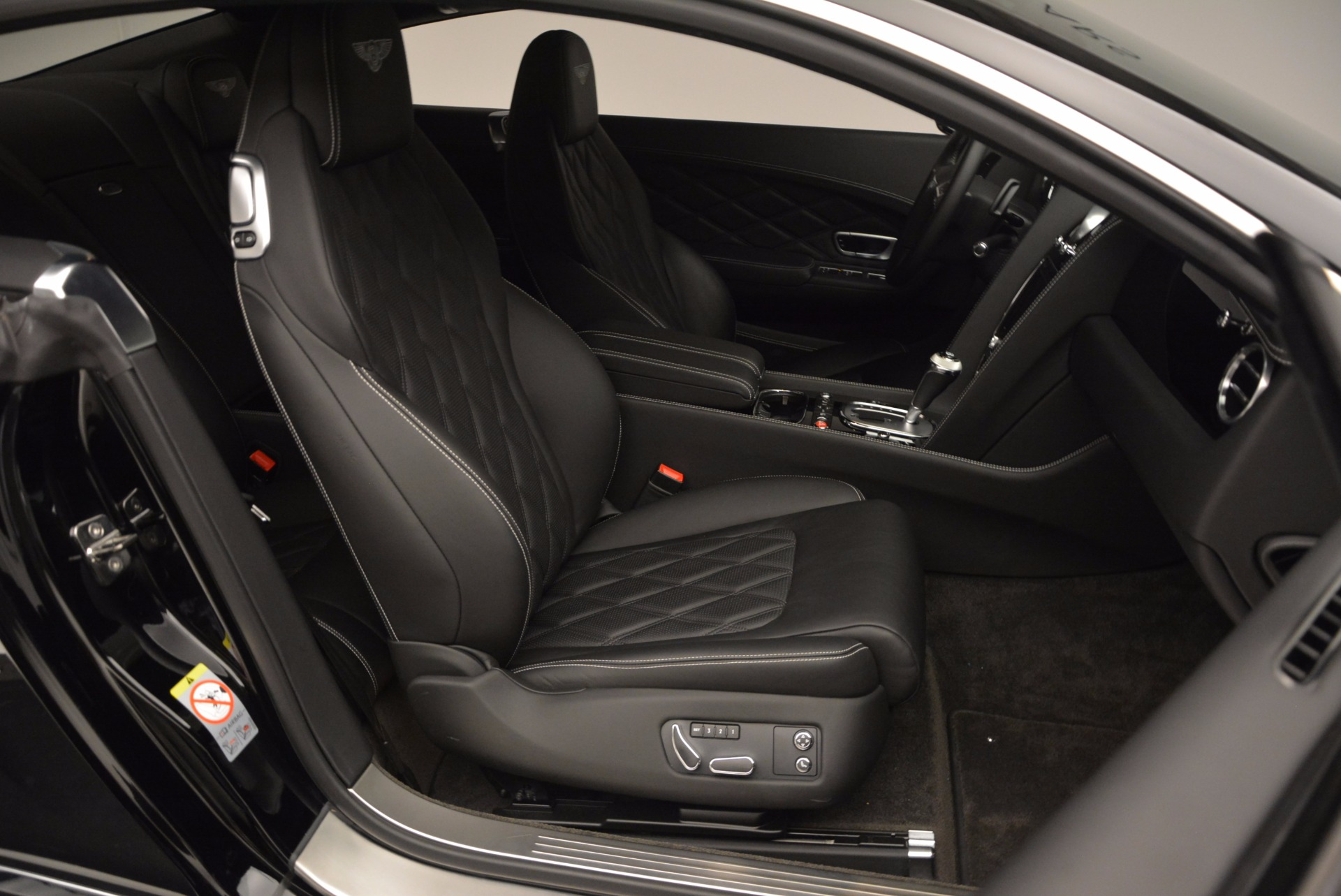 Used 2012 Bentley Continental GT W12 For Sale In Greenwich, CT 1717_p30