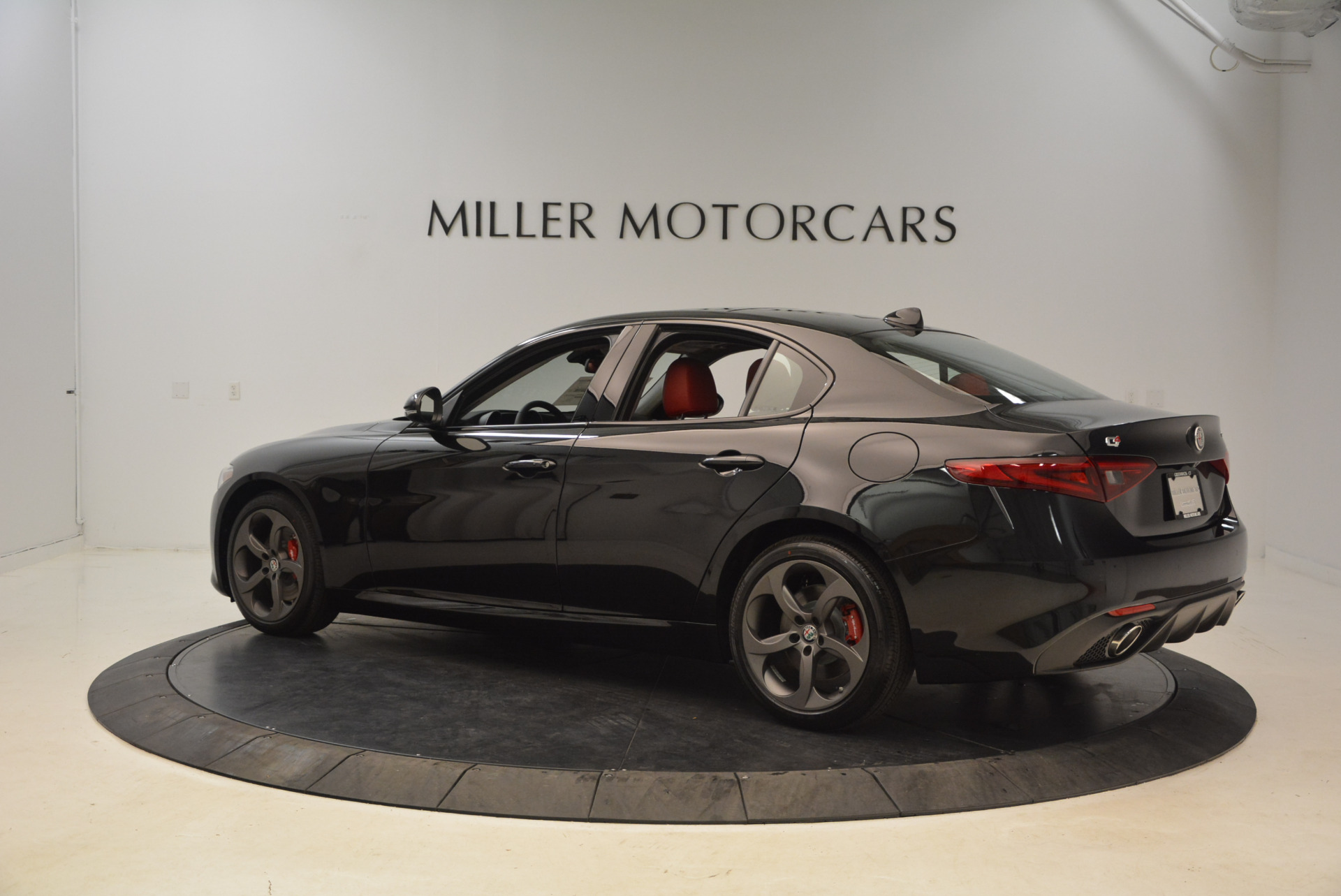 New 2018 Alfa Romeo Giulia Ti Sport Q4 For Sale In Greenwich, CT 1724_p4