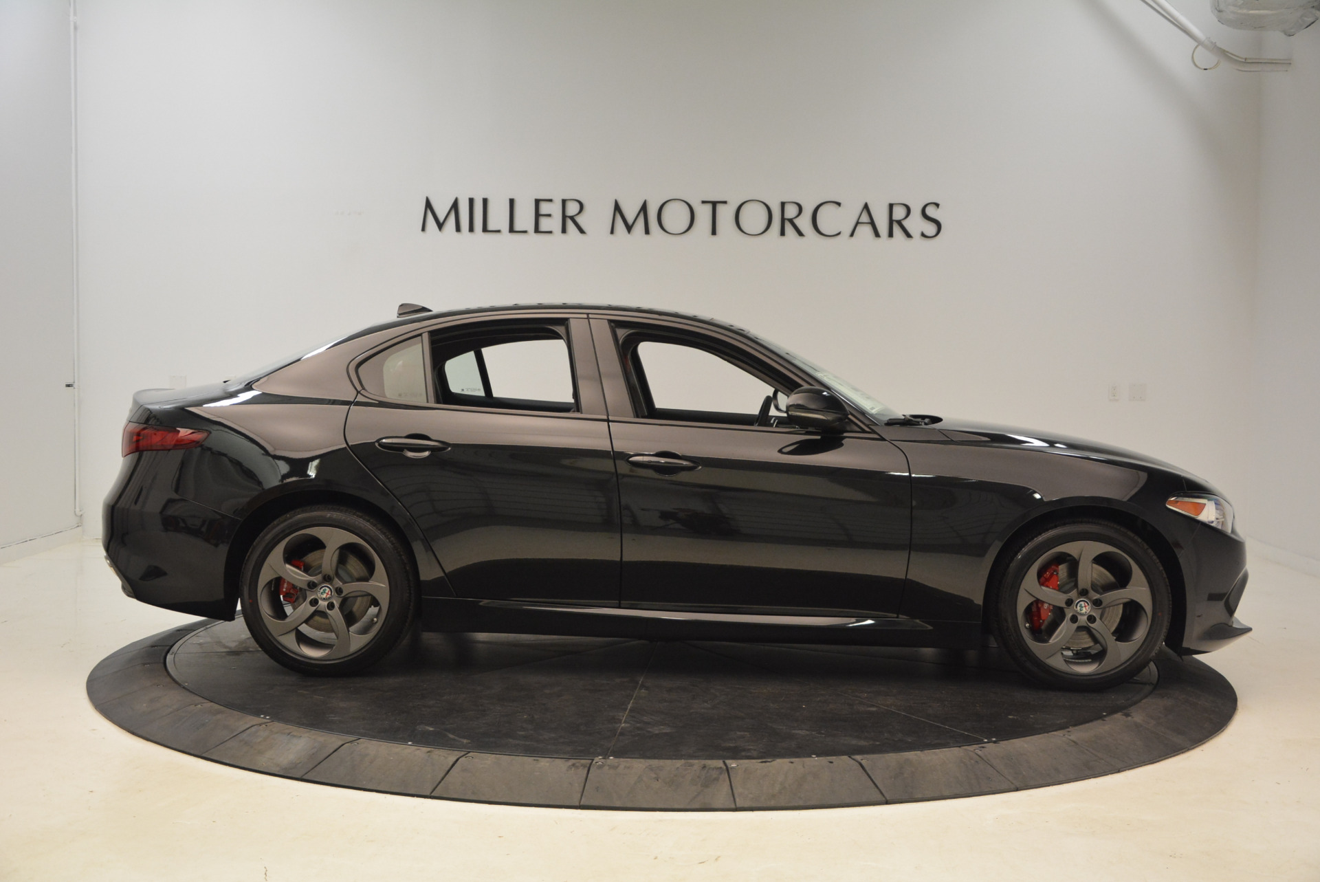 New 2018 Alfa Romeo Giulia Ti Sport Q4 For Sale In Greenwich, CT 1724_p9