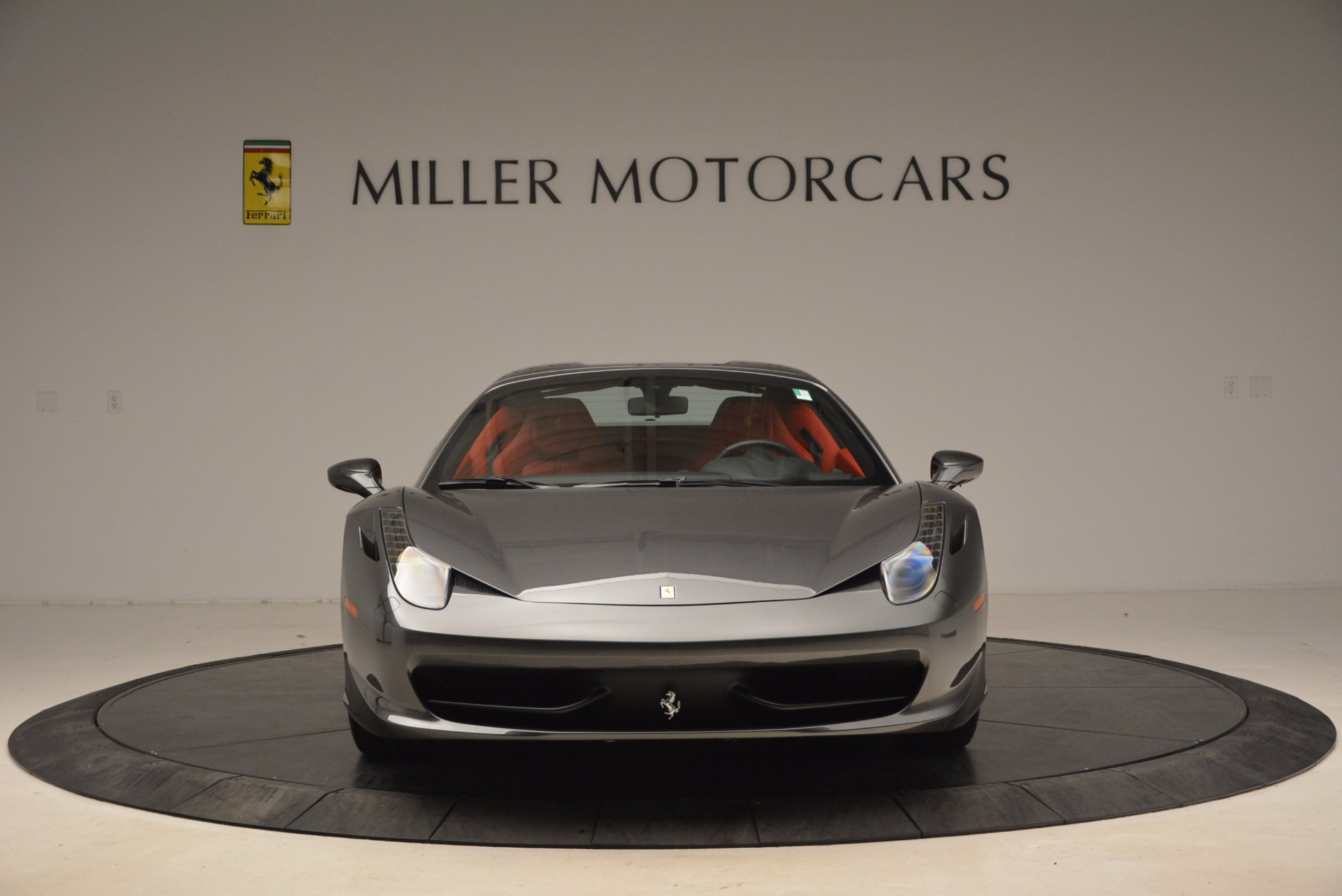 Used 2014 Ferrari 458 Spider  For Sale In Greenwich, CT 1734_p24