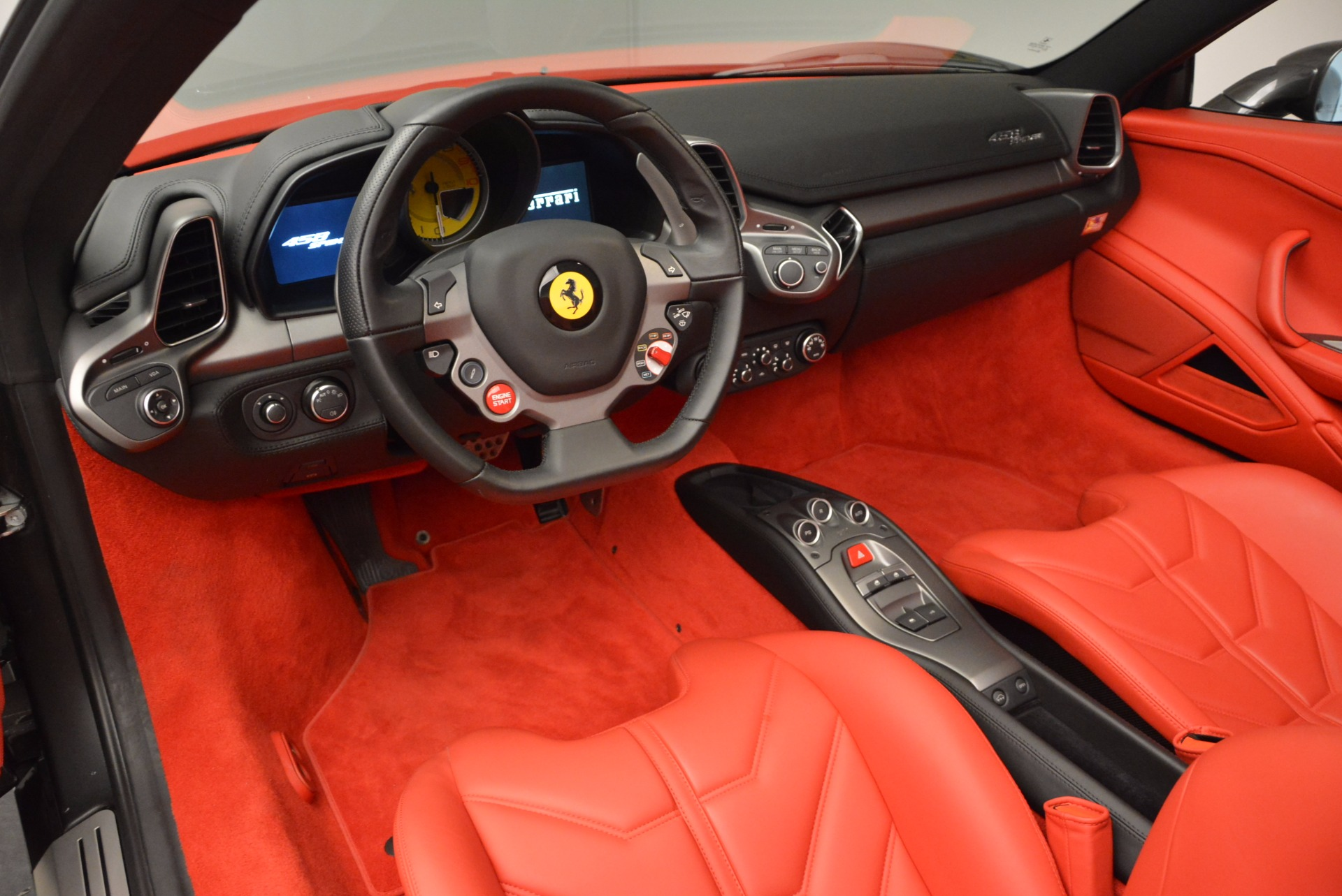 Used 2014 Ferrari 458 Spider  For Sale In Greenwich, CT 1734_p25