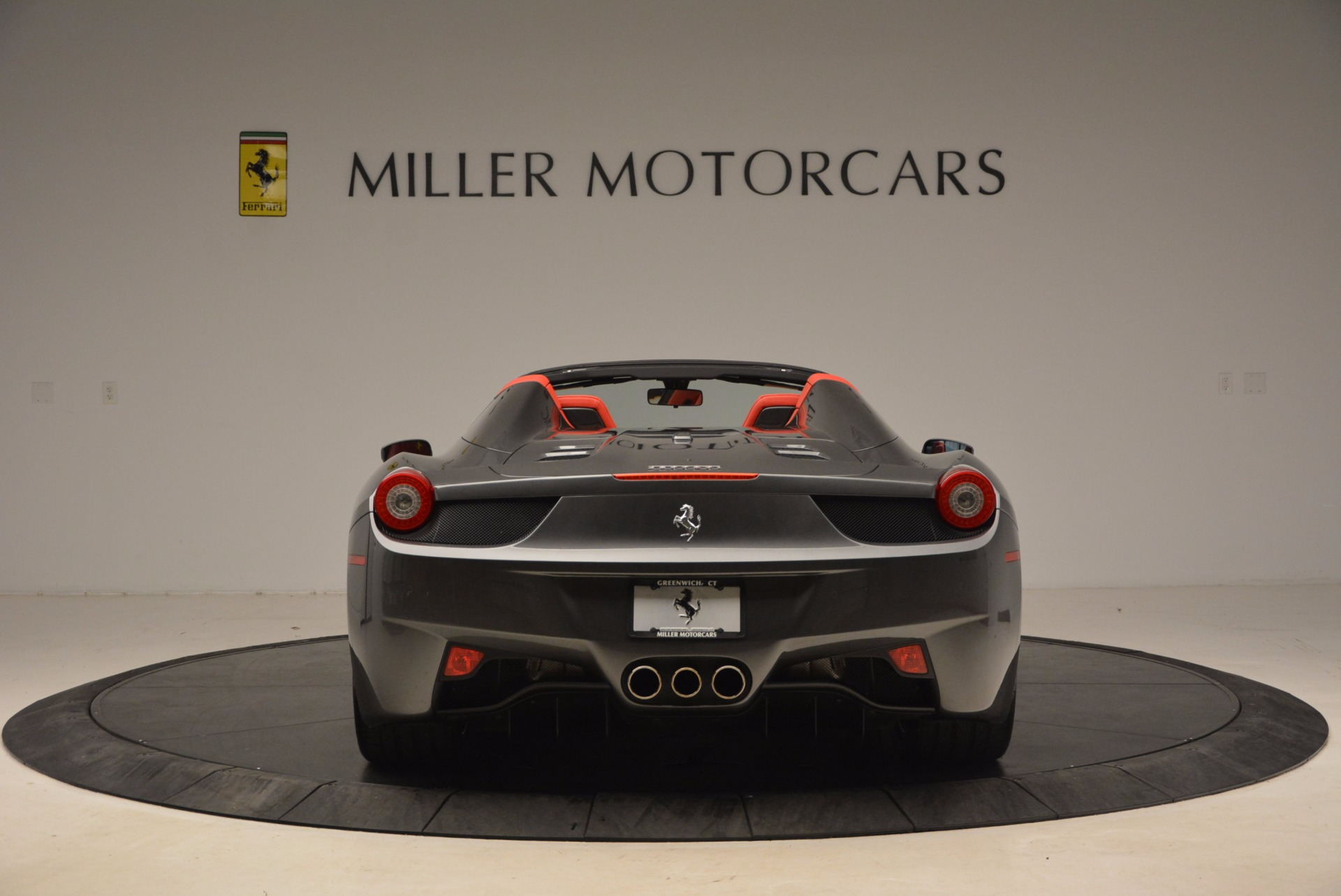 Used 2014 Ferrari 458 Spider  For Sale In Greenwich, CT 1734_p6
