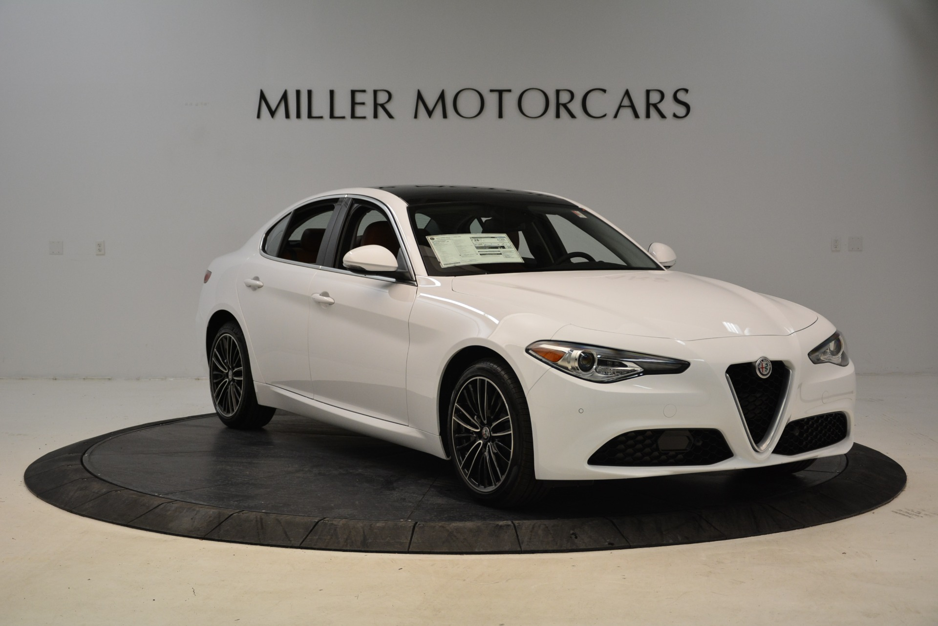 New 2018 Alfa Romeo Giulia Ti Lusso Q4 For Sale In Greenwich, CT 1747_p11