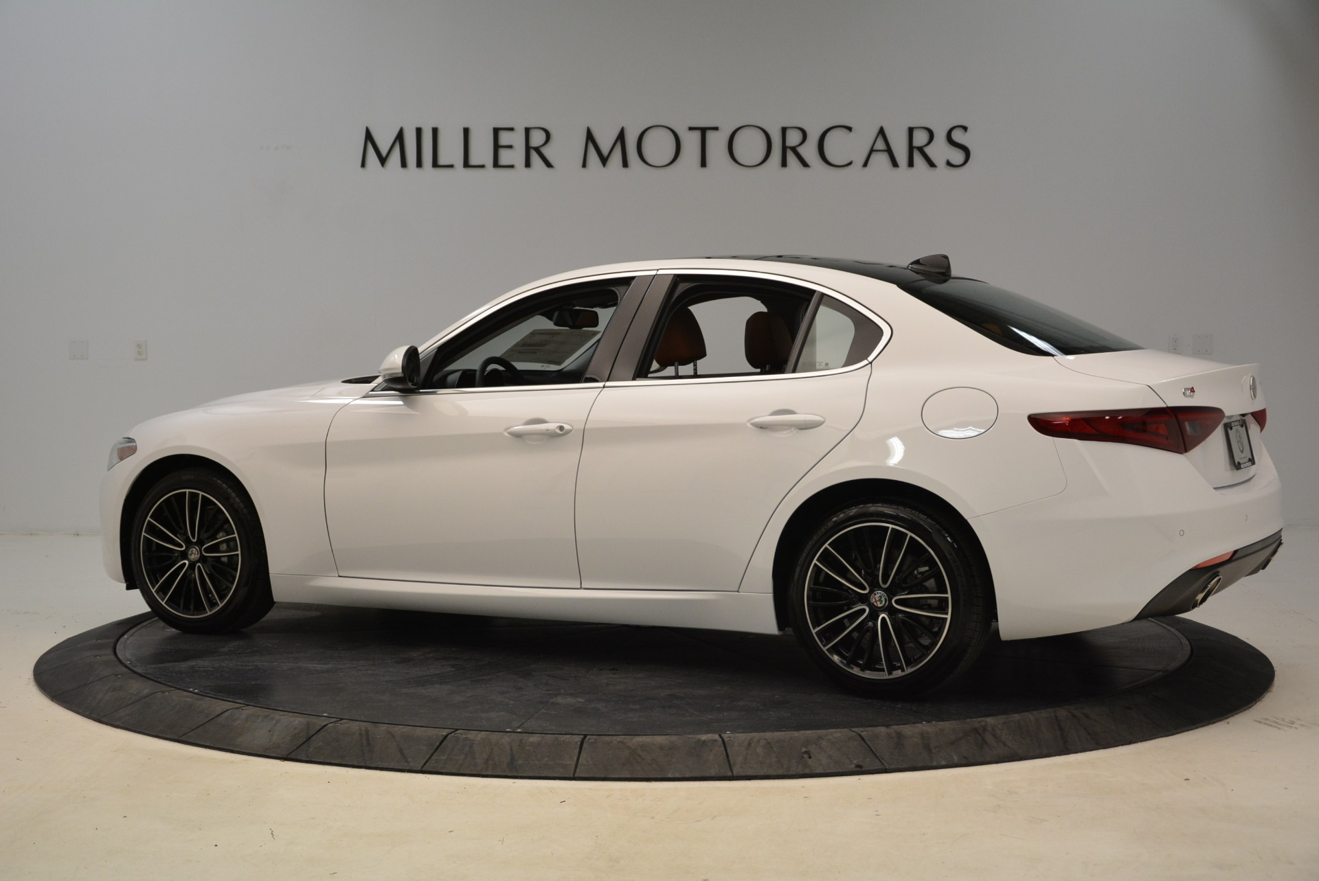 New 2018 Alfa Romeo Giulia Ti Lusso Q4 For Sale In Greenwich, CT 1747_p4