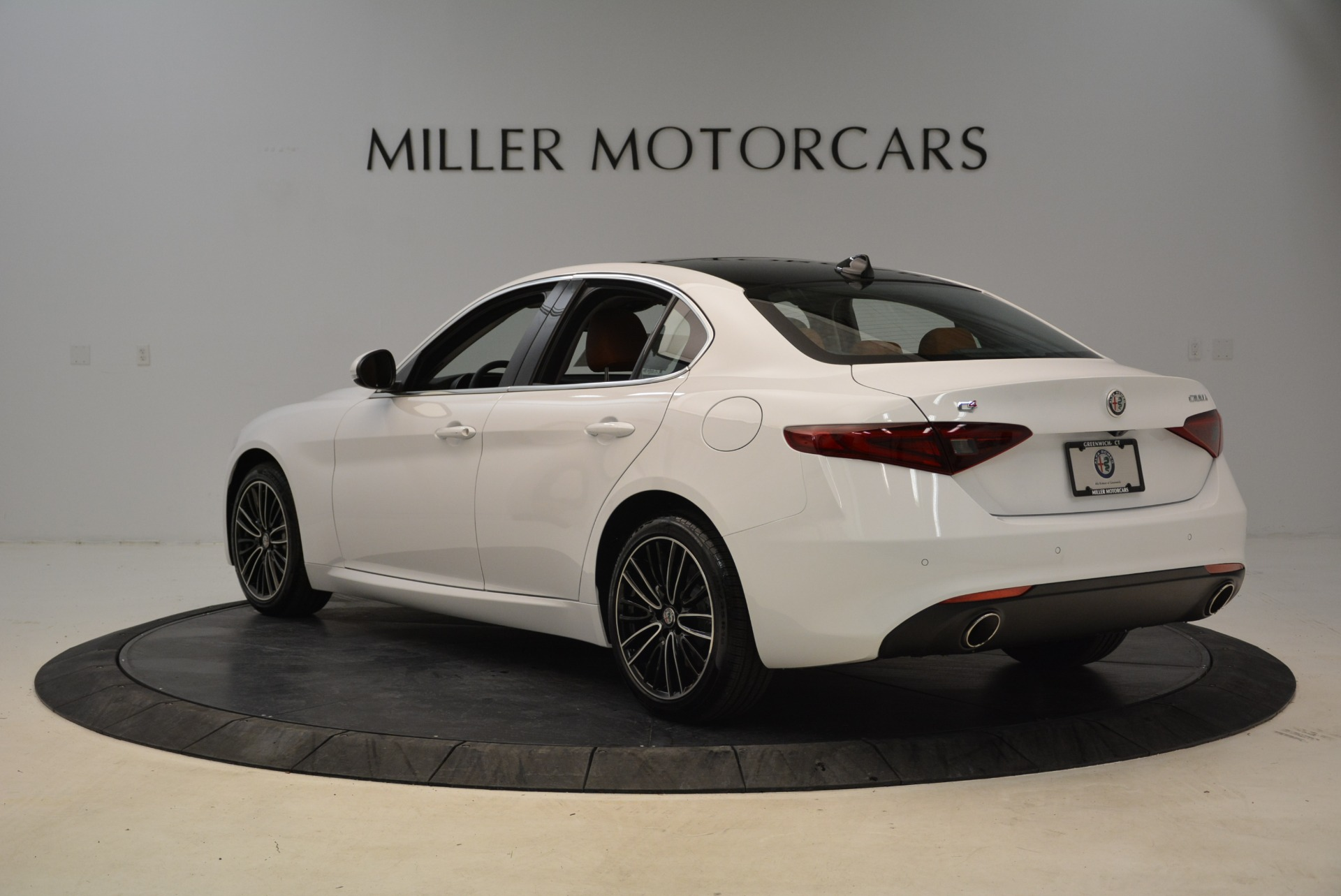 New 2018 Alfa Romeo Giulia Ti Lusso Q4 For Sale In Greenwich, CT 1747_p5