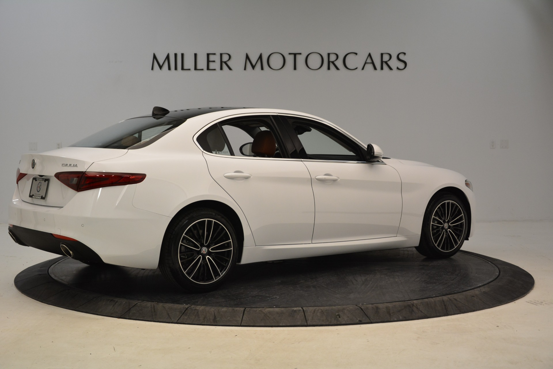 New 2018 Alfa Romeo Giulia Ti Lusso Q4 For Sale In Greenwich, CT 1747_p8