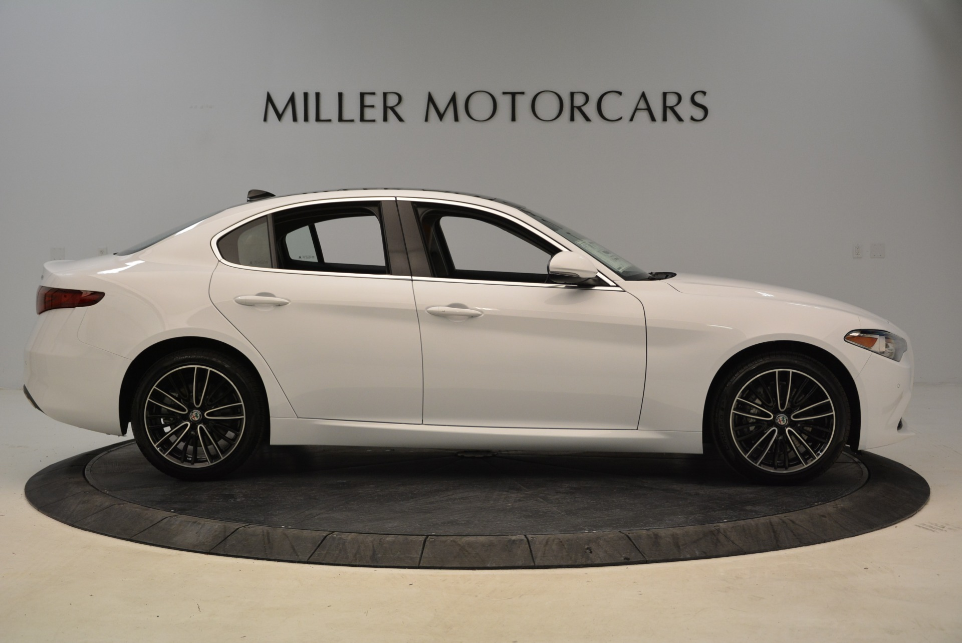 New 2018 Alfa Romeo Giulia Ti Lusso Q4 For Sale In Greenwich, CT 1747_p9