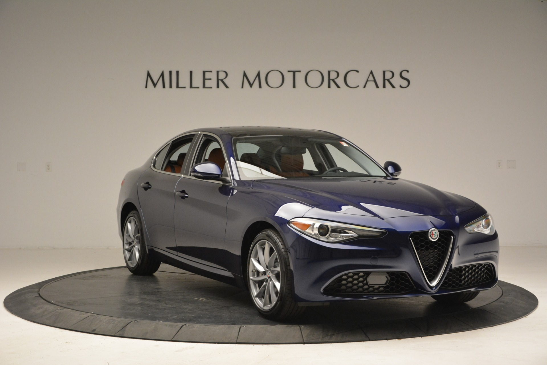 New 2018 Alfa Romeo Giulia Q4 For Sale In Greenwich, CT 1755_p11