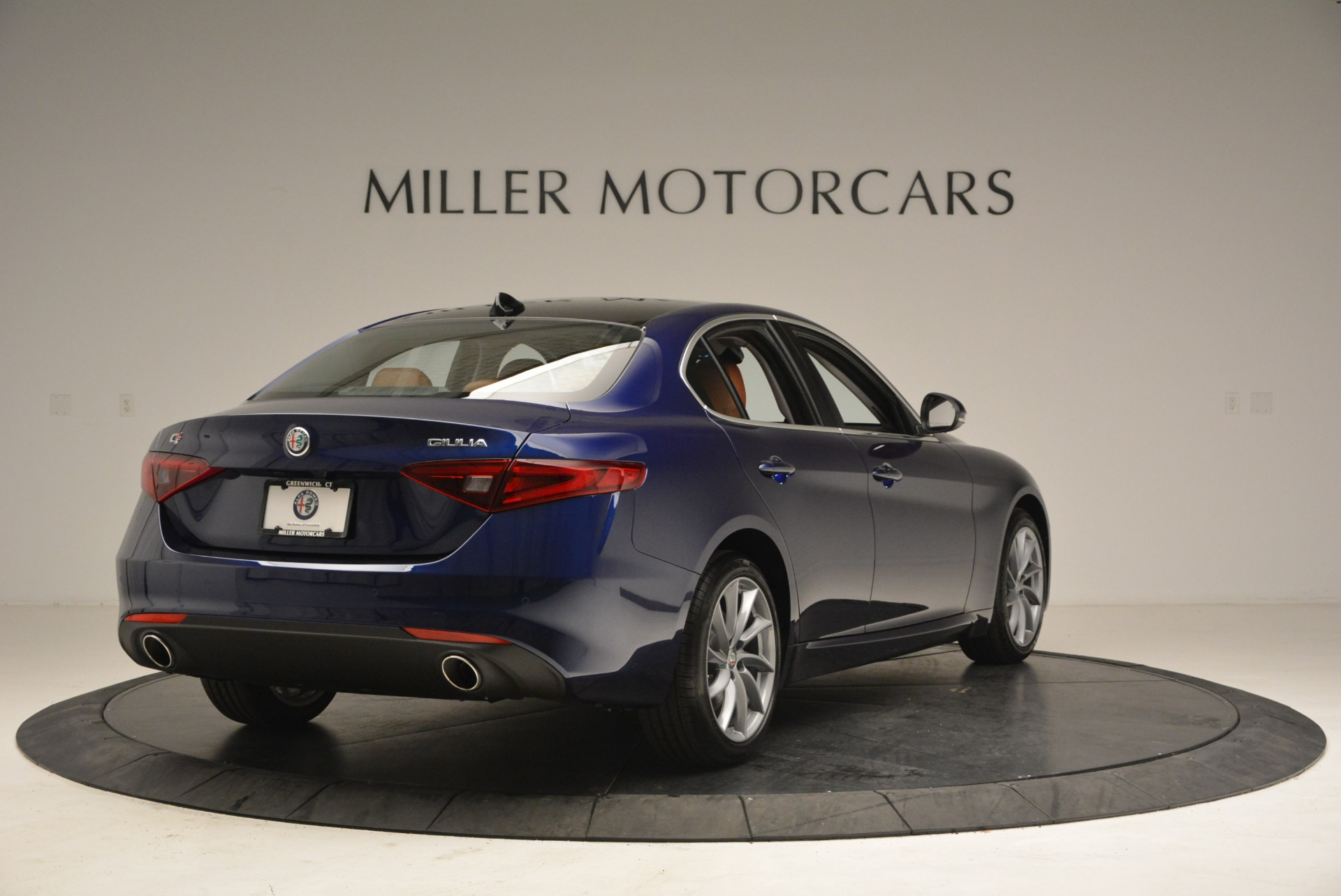 New 2018 Alfa Romeo Giulia Q4 For Sale In Greenwich, CT 1755_p7