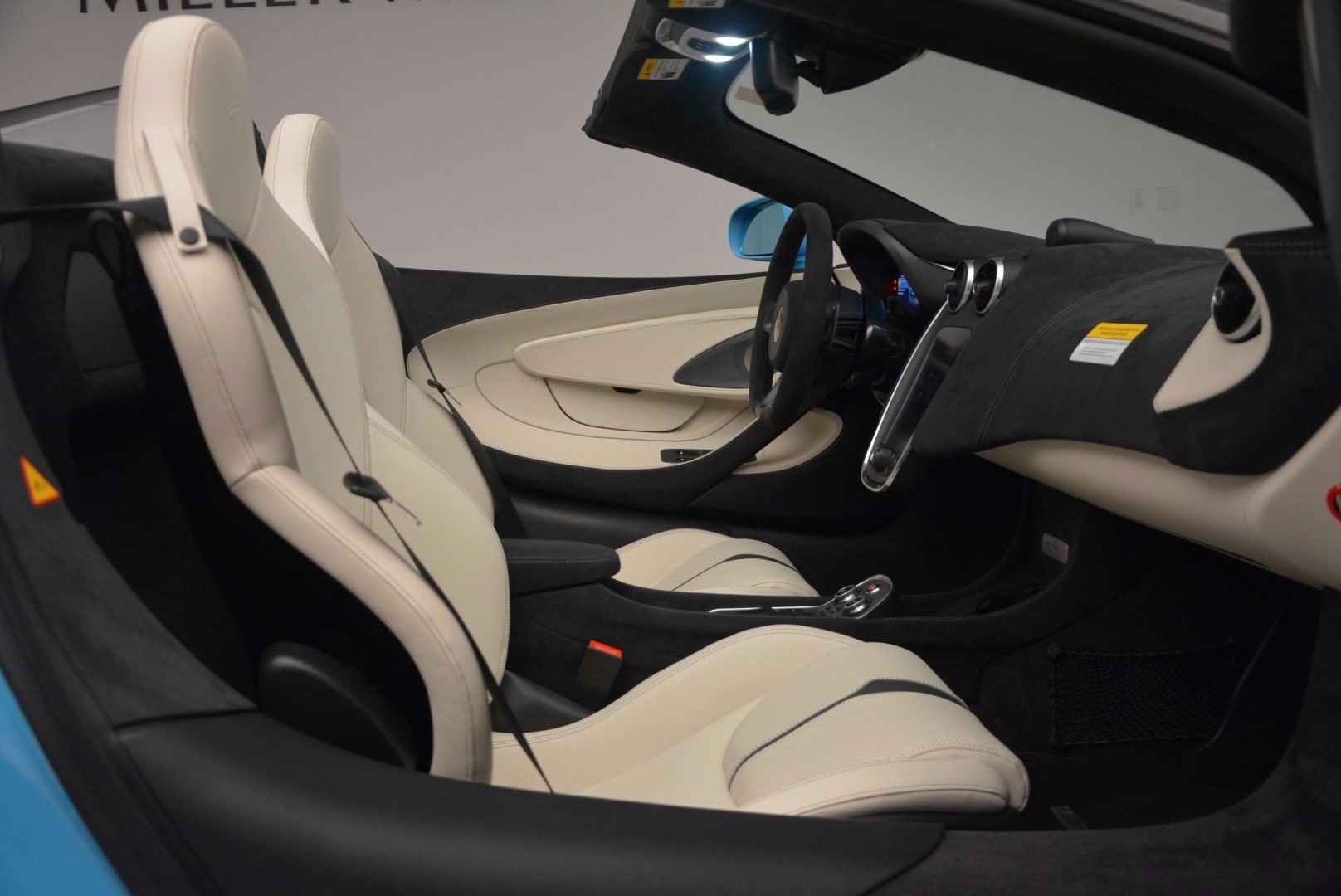New 2018 McLaren 570S Spider For Sale In Greenwich, CT 1775_p33
