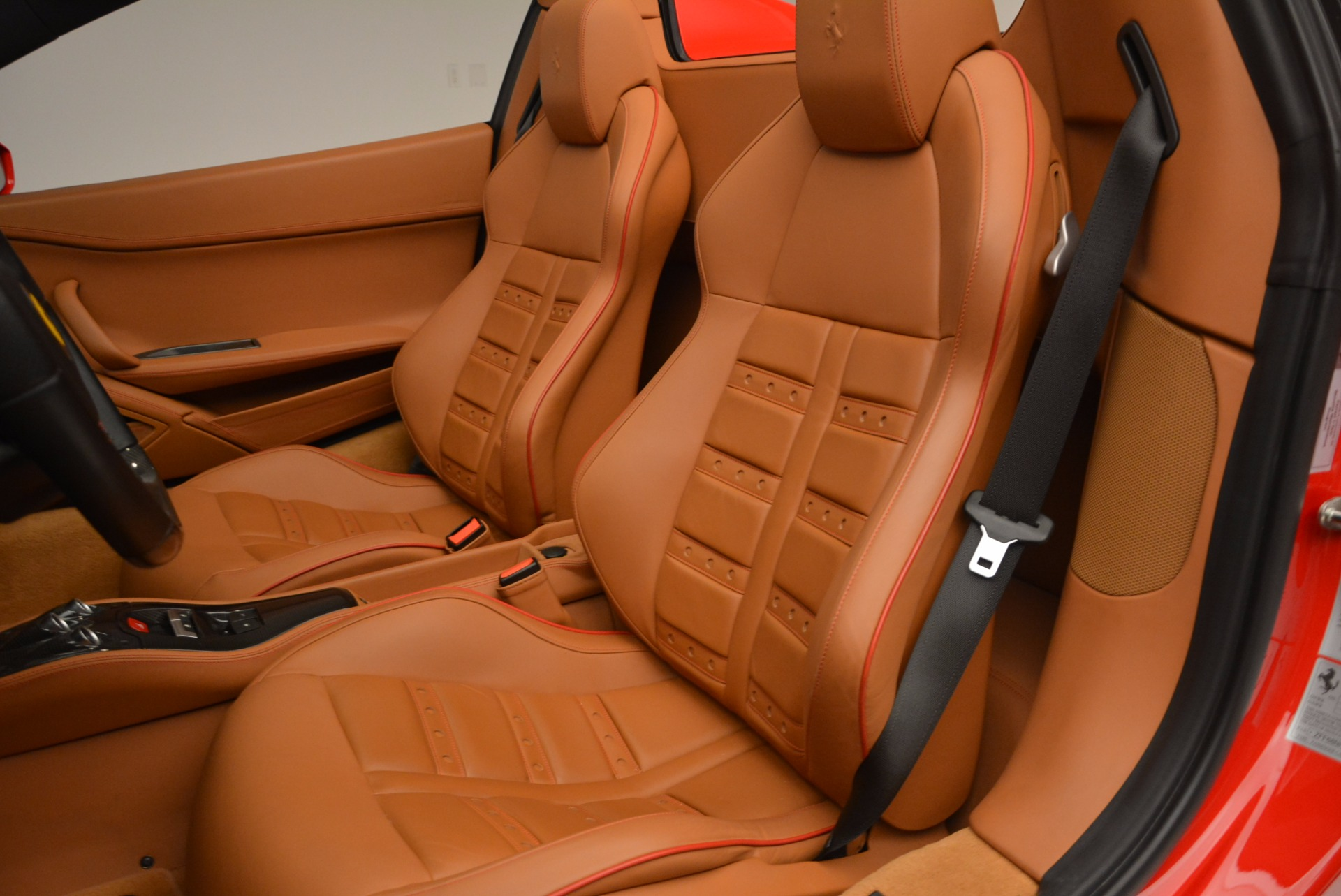 Used 2013 Ferrari 458 Spider  For Sale In Greenwich, CT 1784_p27