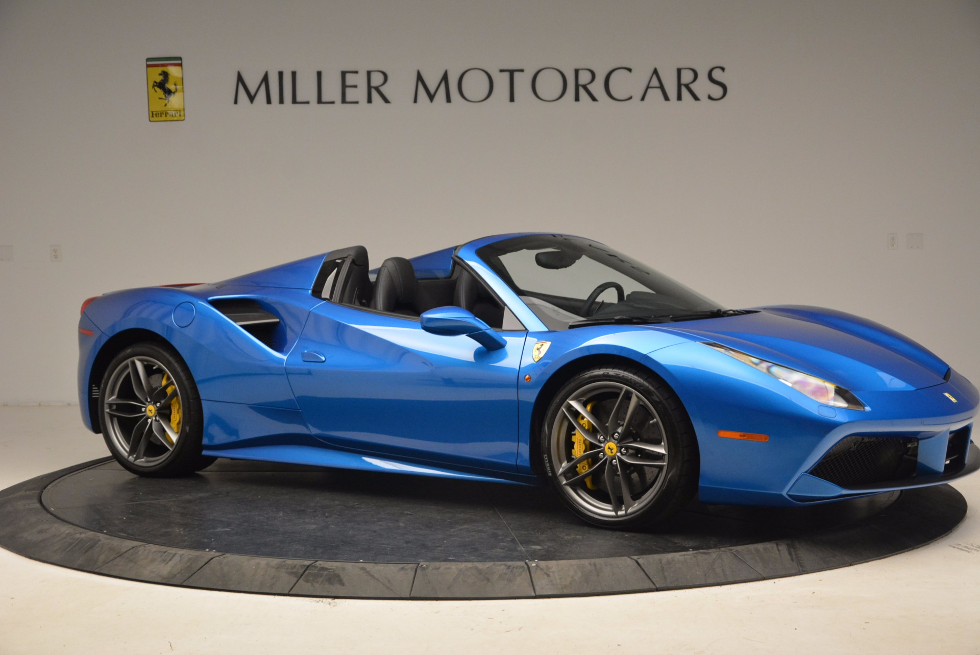 Used 2017 Ferrari 488 Spider  For Sale In Greenwich, CT 1791_p10