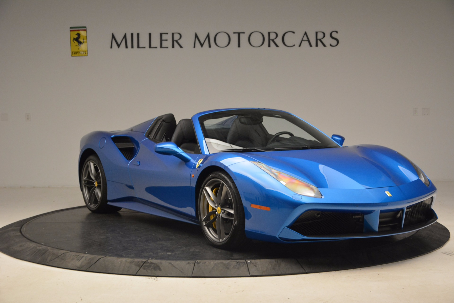 Used 2017 Ferrari 488 Spider  For Sale In Greenwich, CT 1791_p11