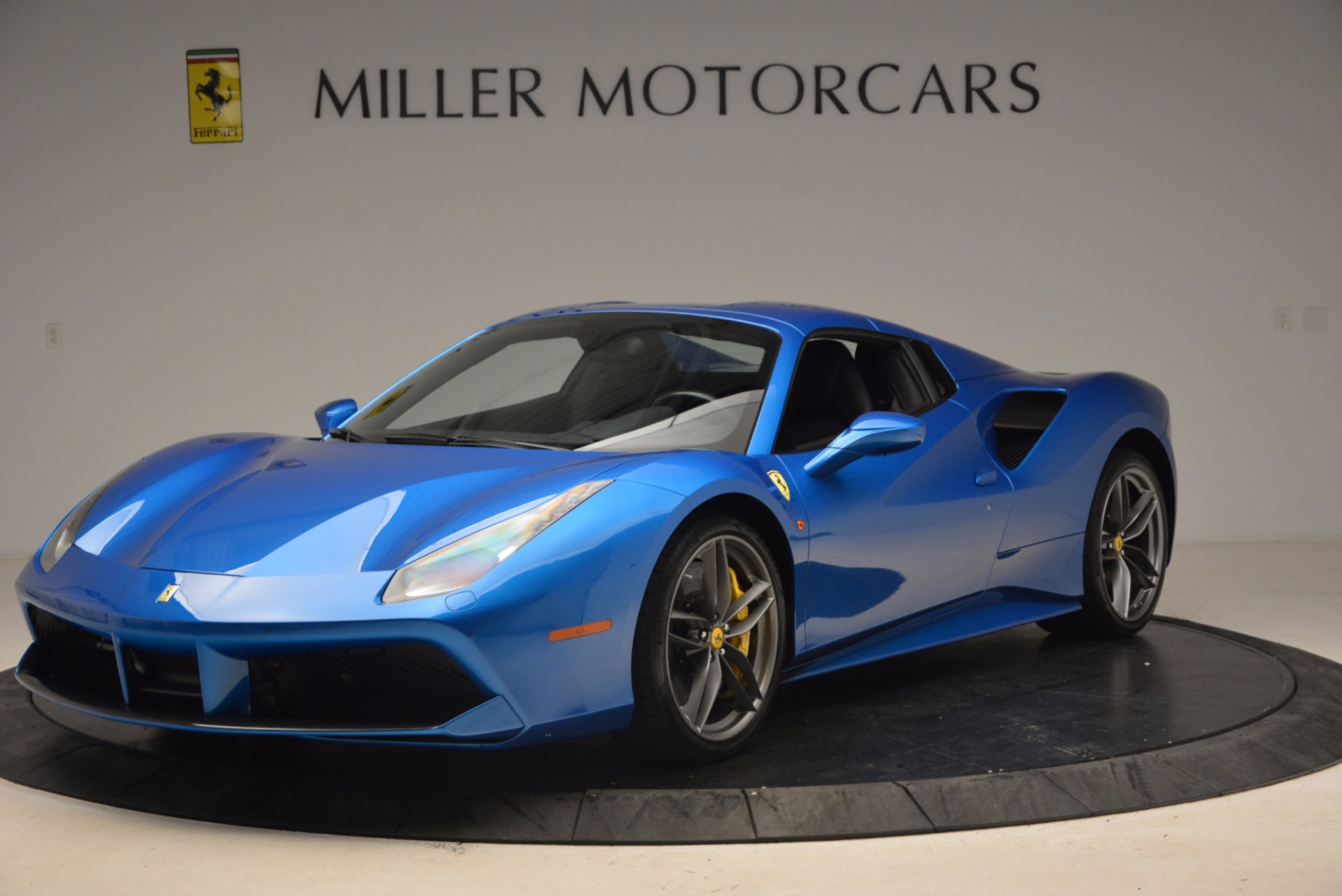 Used 2017 Ferrari 488 Spider  For Sale In Greenwich, CT 1791_p13
