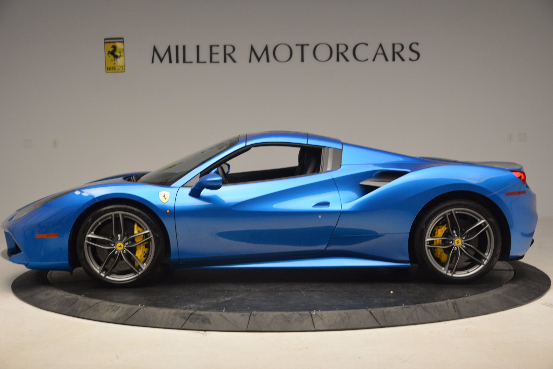 Used 2017 Ferrari 488 Spider  For Sale In Greenwich, CT 1791_p14