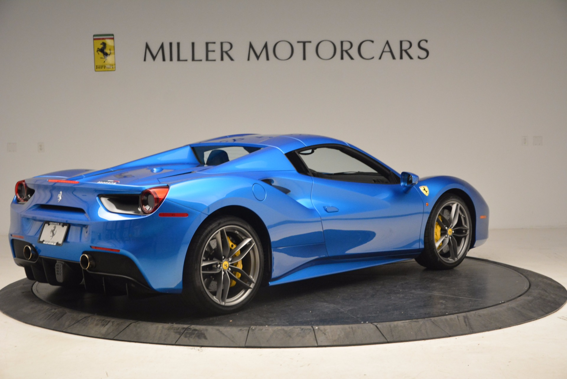 Used 2017 Ferrari 488 Spider  For Sale In Greenwich, CT 1791_p17