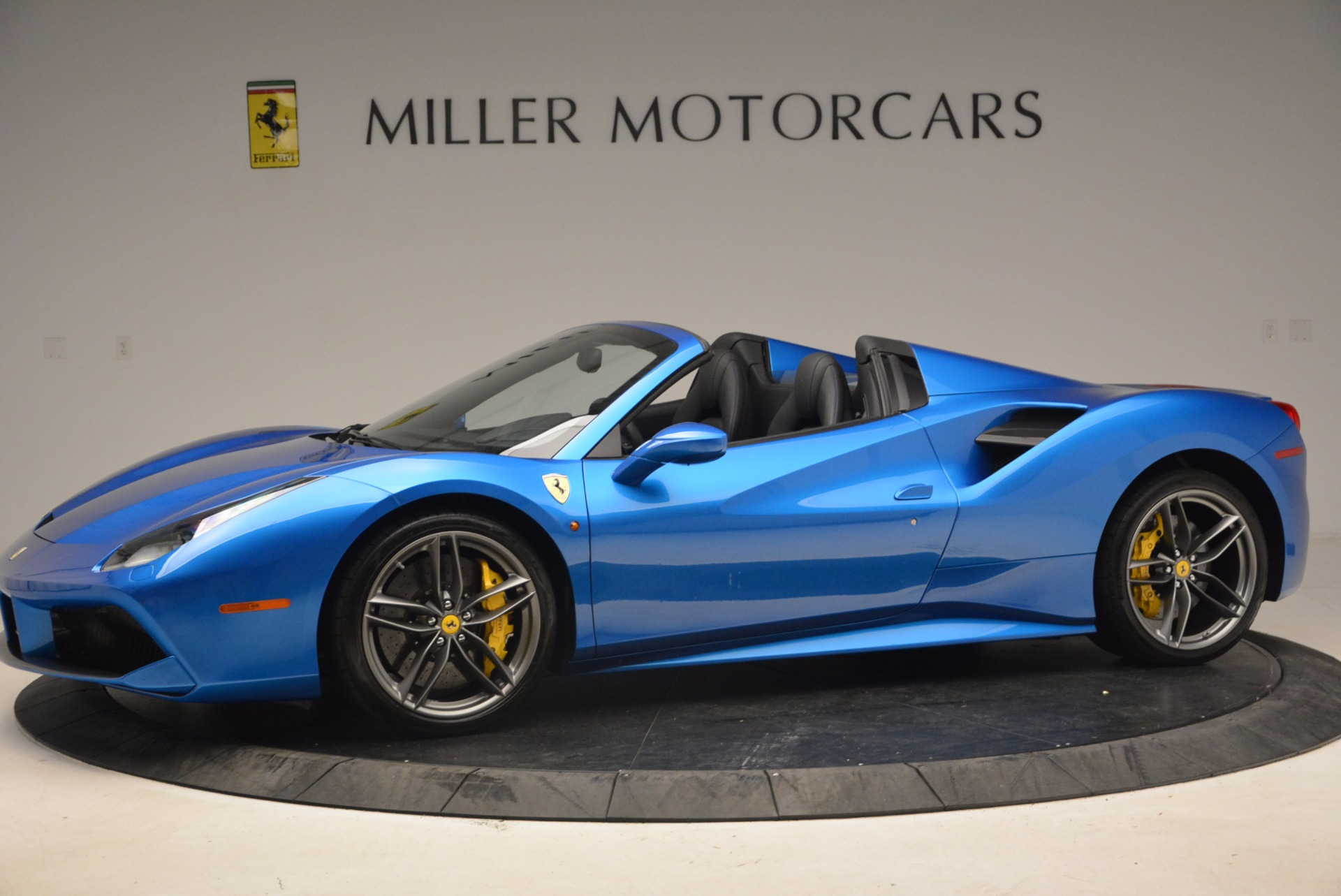 Used 2017 Ferrari 488 Spider  For Sale In Greenwich, CT 1791_p2