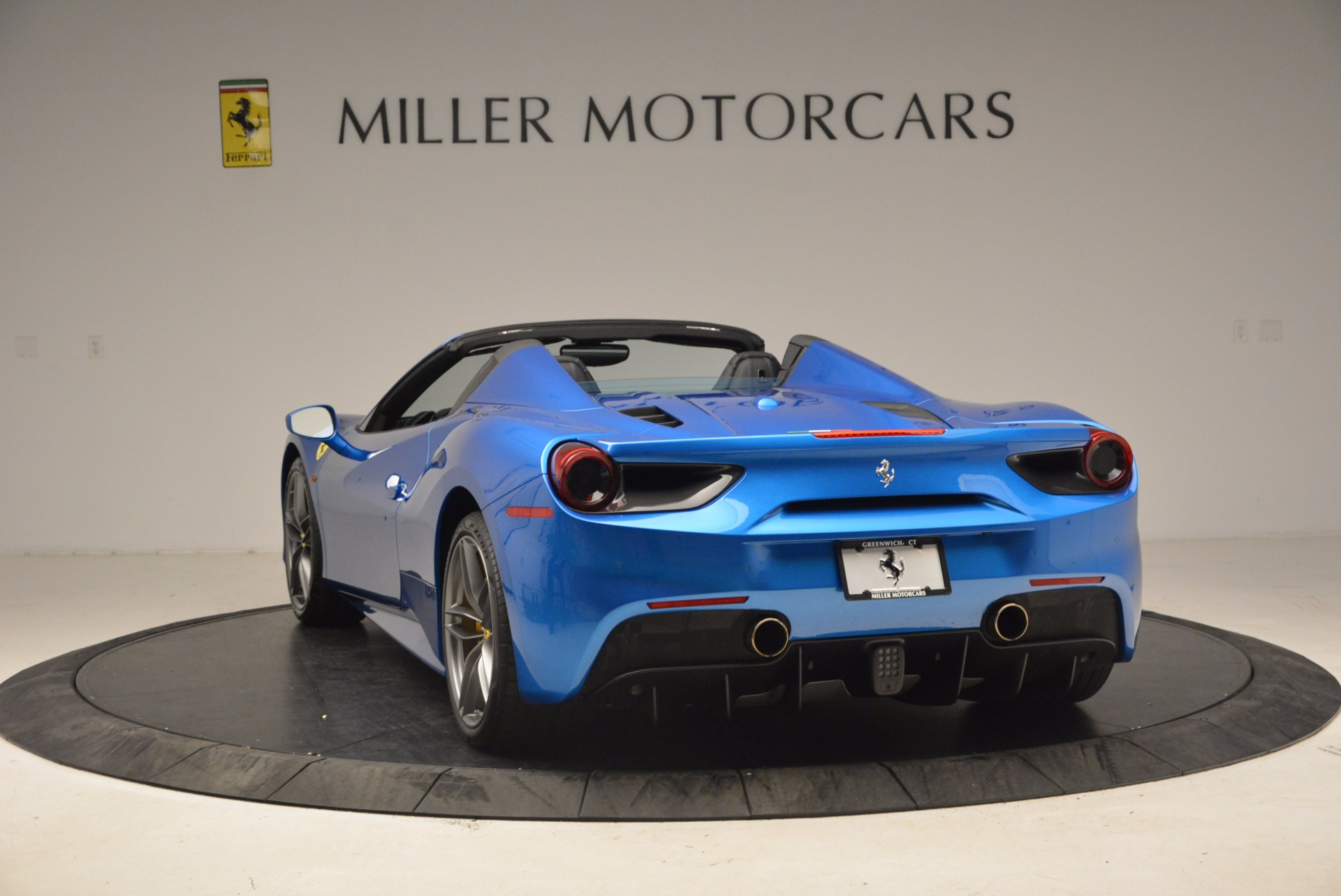 Used 2017 Ferrari 488 Spider  For Sale In Greenwich, CT 1791_p5