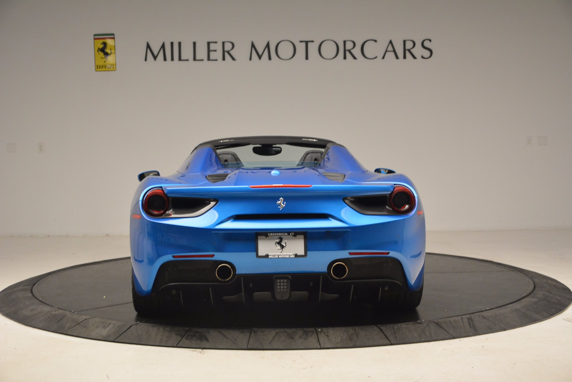 Used 2017 Ferrari 488 Spider  For Sale In Greenwich, CT 1791_p6