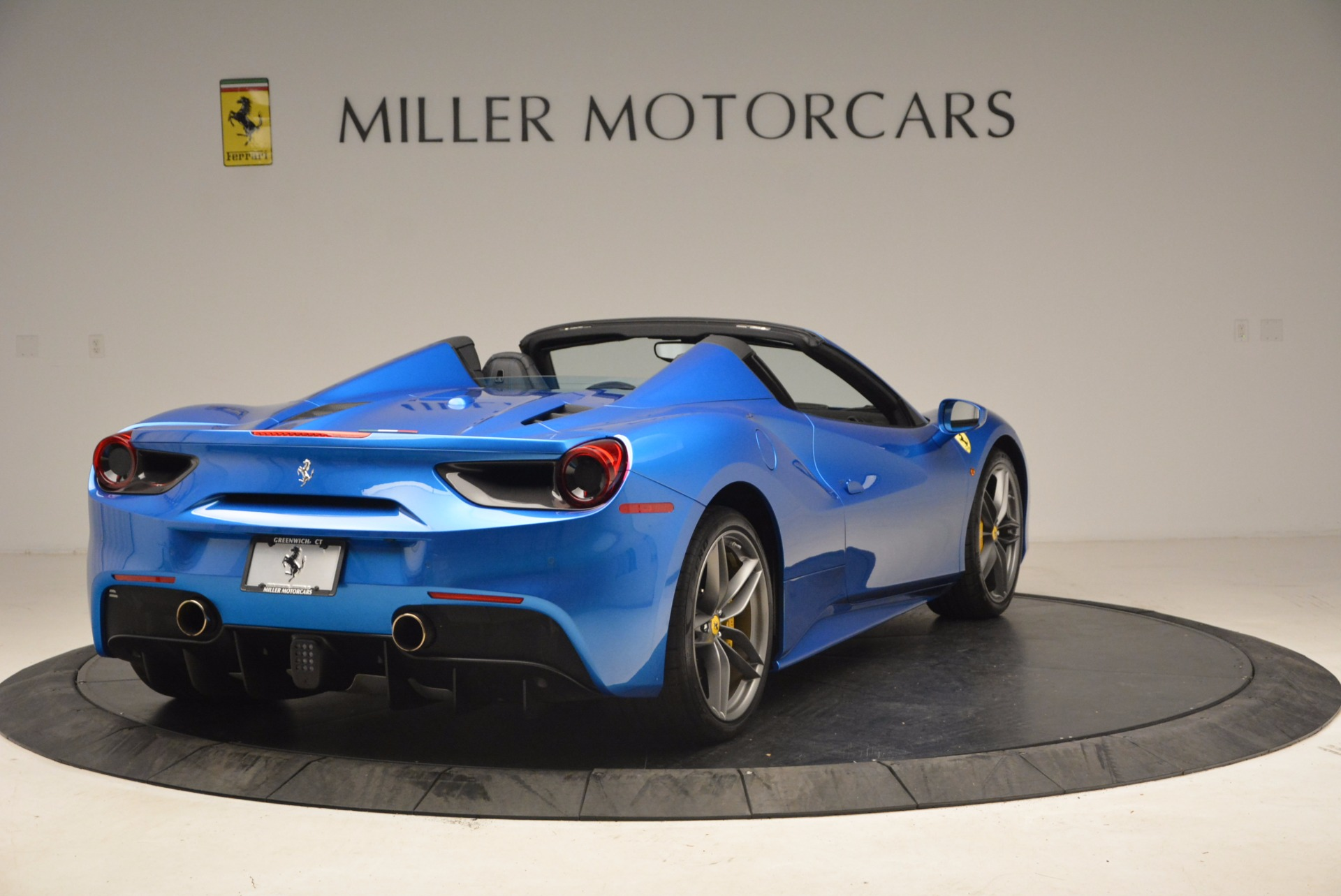 Used 2017 Ferrari 488 Spider  For Sale In Greenwich, CT 1791_p7