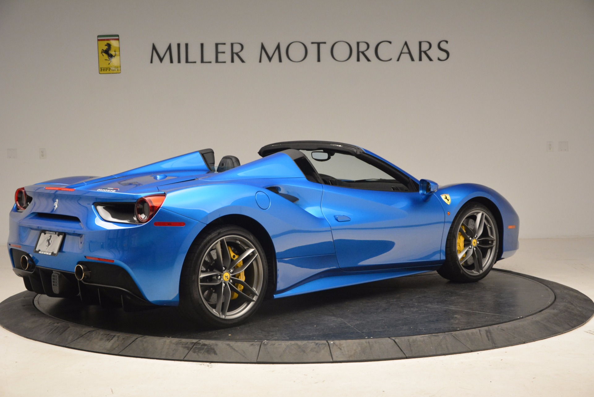Used 2017 Ferrari 488 Spider  For Sale In Greenwich, CT 1791_p8