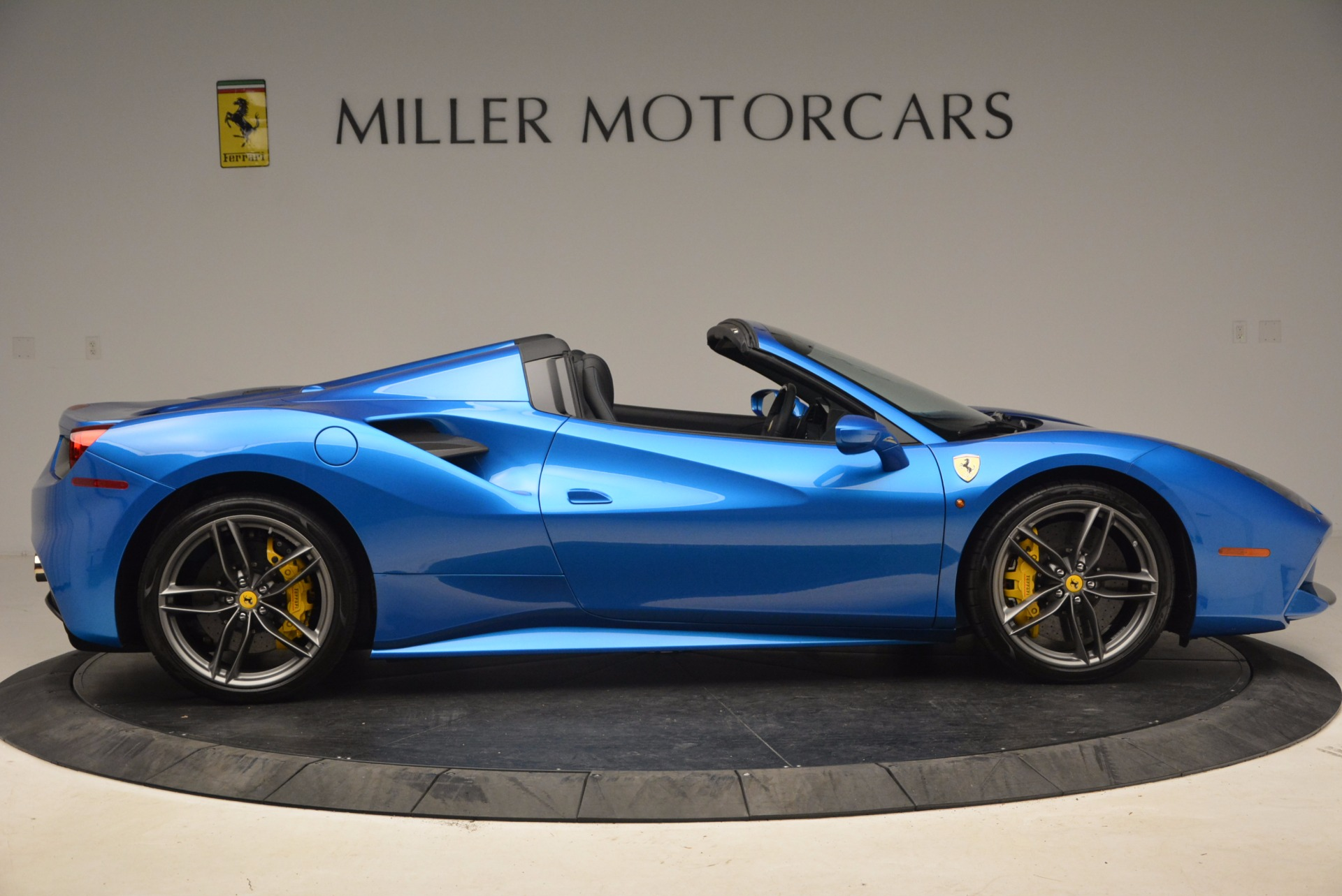 Used 2017 Ferrari 488 Spider  For Sale In Greenwich, CT 1791_p9