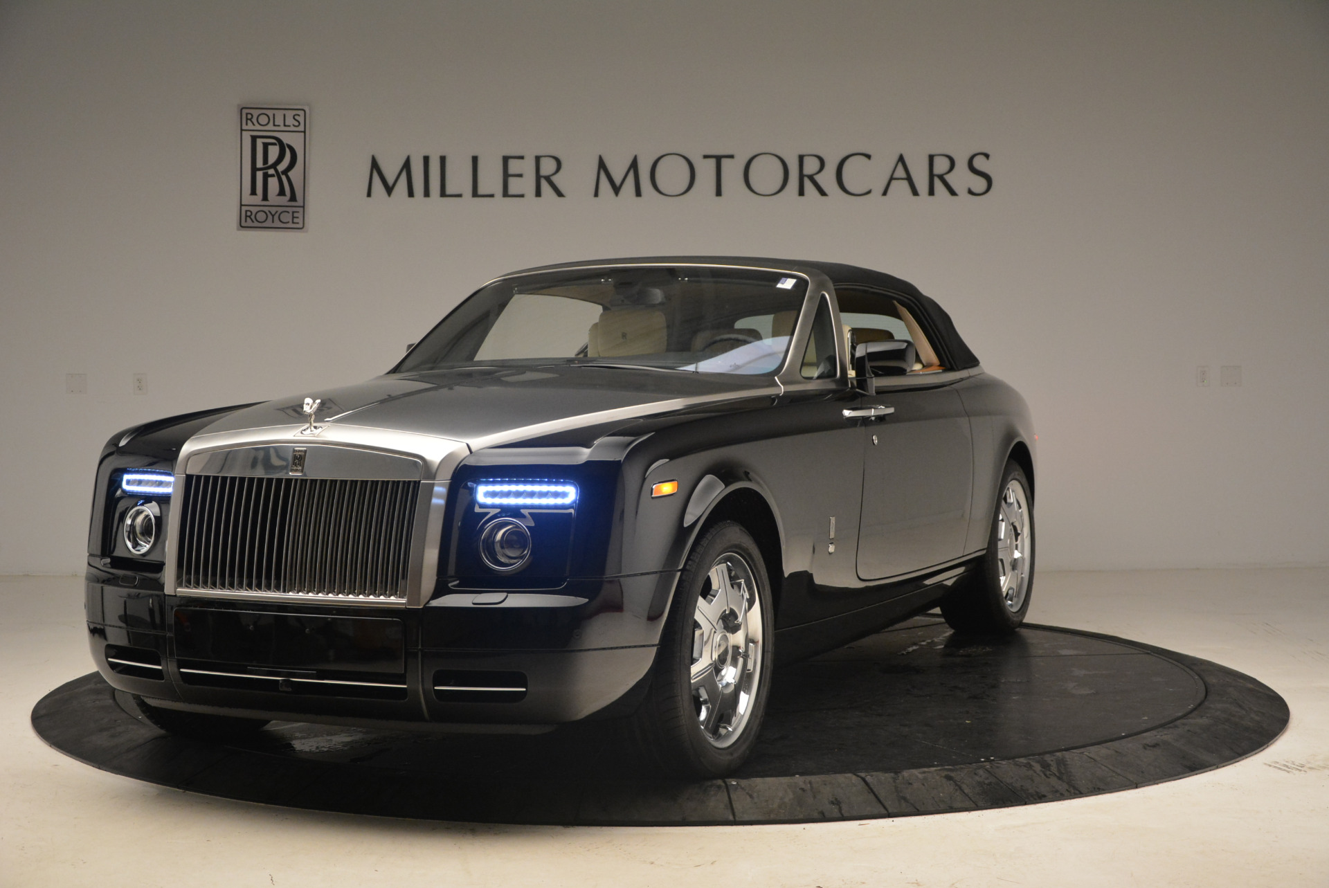 Used 2009 Rolls-Royce Phantom Drophead Coupe  For Sale In Greenwich, CT 1792_p14