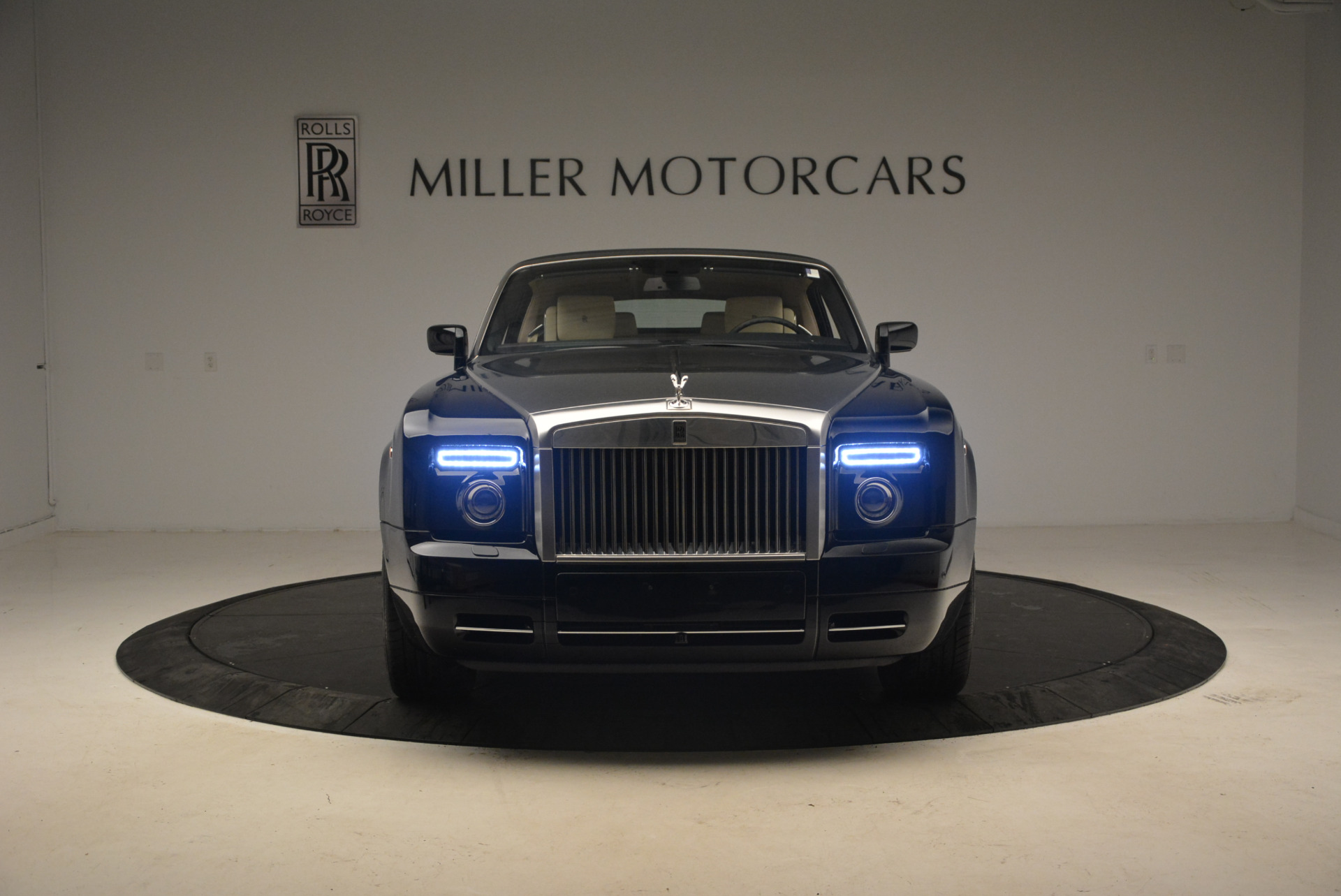 Used 2009 Rolls-Royce Phantom Drophead Coupe  For Sale In Greenwich, CT 1792_p25