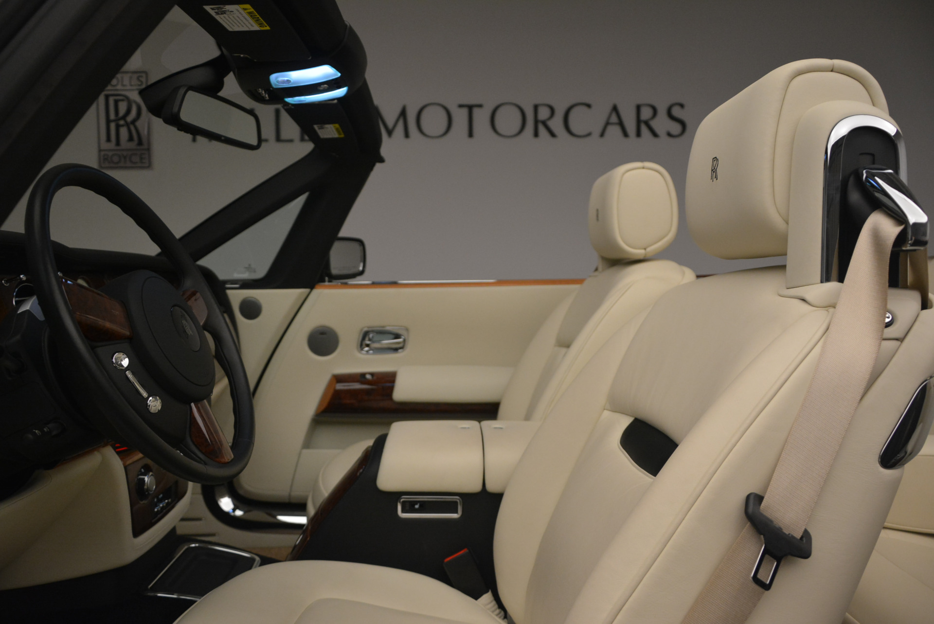 Used 2009 Rolls-Royce Phantom Drophead Coupe  For Sale In Greenwich, CT 1792_p34