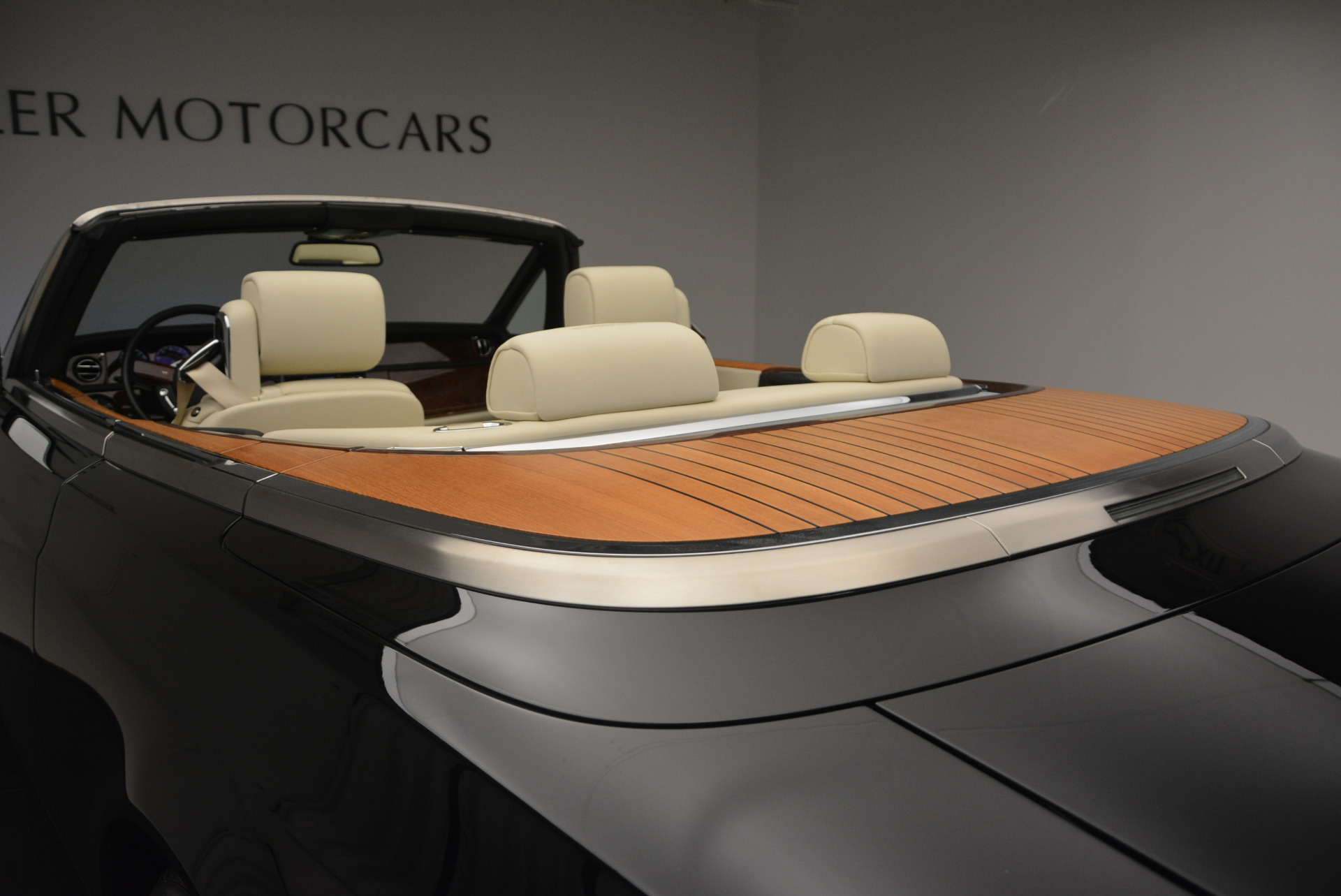 Used 2009 Rolls-Royce Phantom Drophead Coupe  For Sale In Greenwich, CT 1792_p42