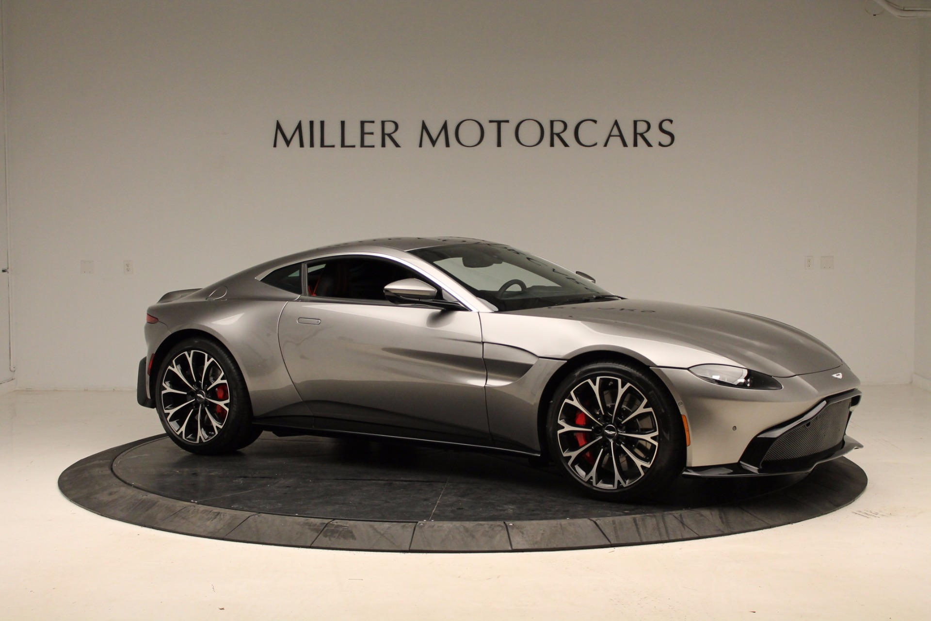 New 2019 Aston Martin Vantage  For Sale In Greenwich, CT 1803_p19