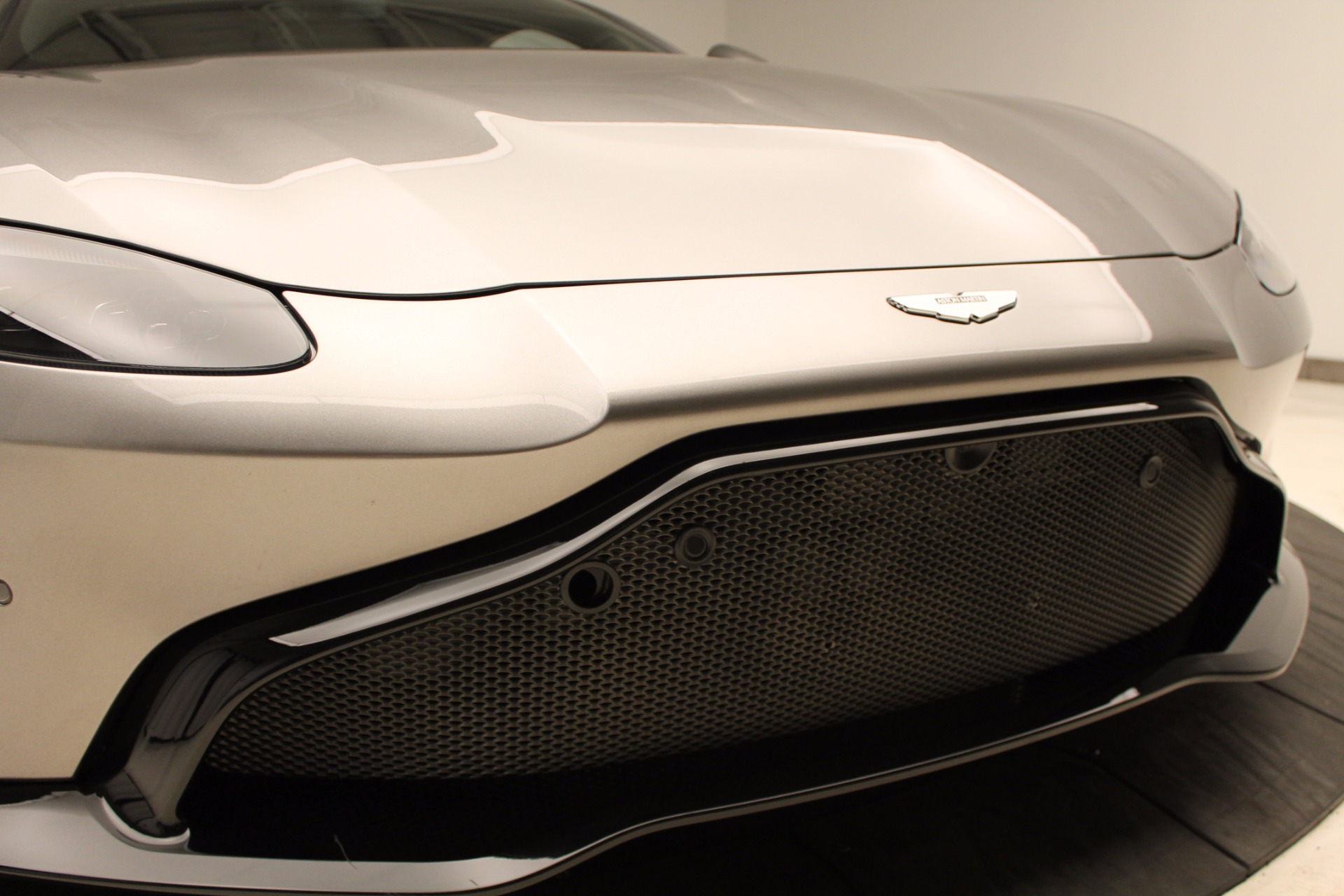 New 2019 Aston Martin Vantage  For Sale In Greenwich, CT 1803_p32