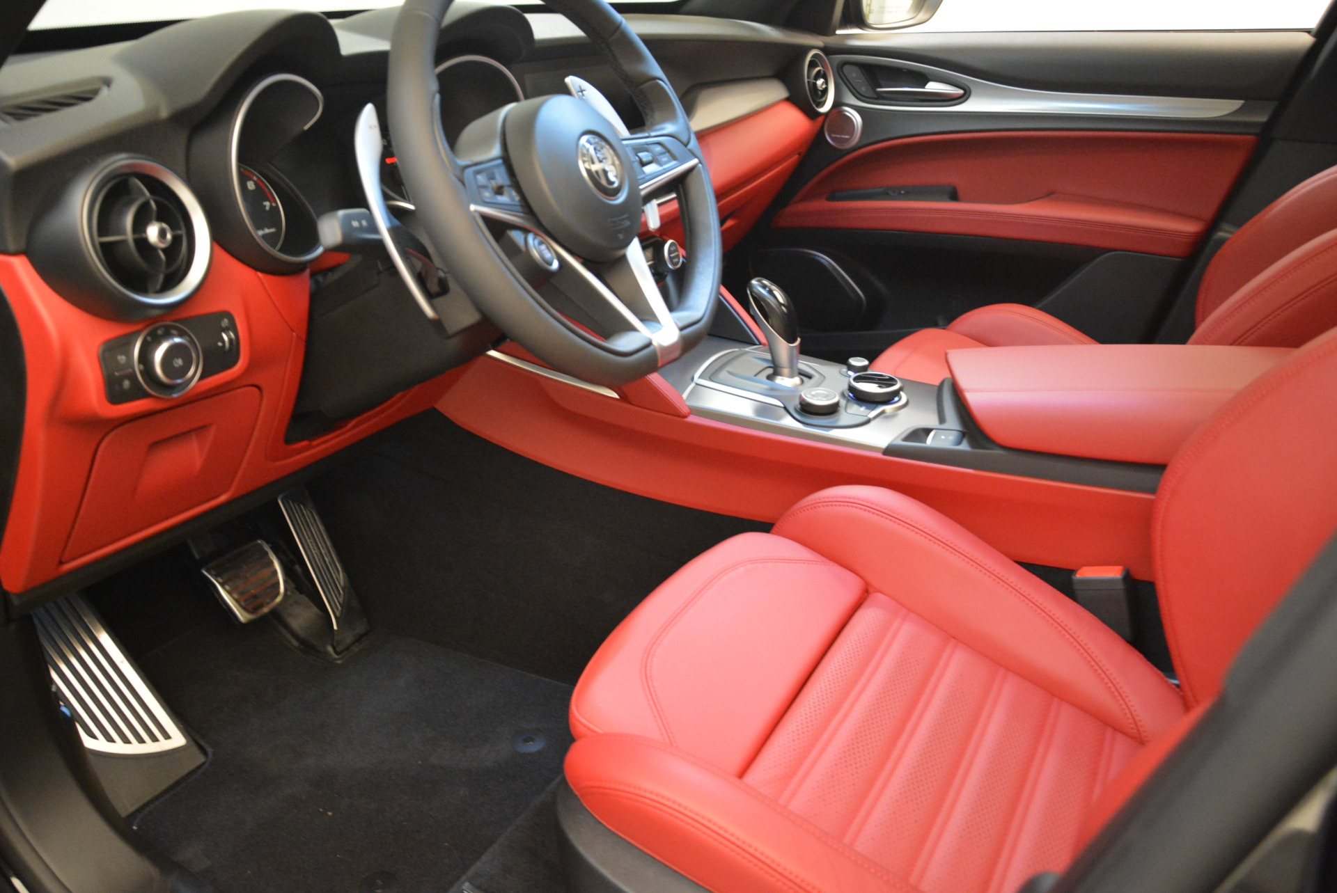 New 2018 Alfa Romeo Stelvio Ti Sport Q4 For Sale In Greenwich, CT 1804_p13