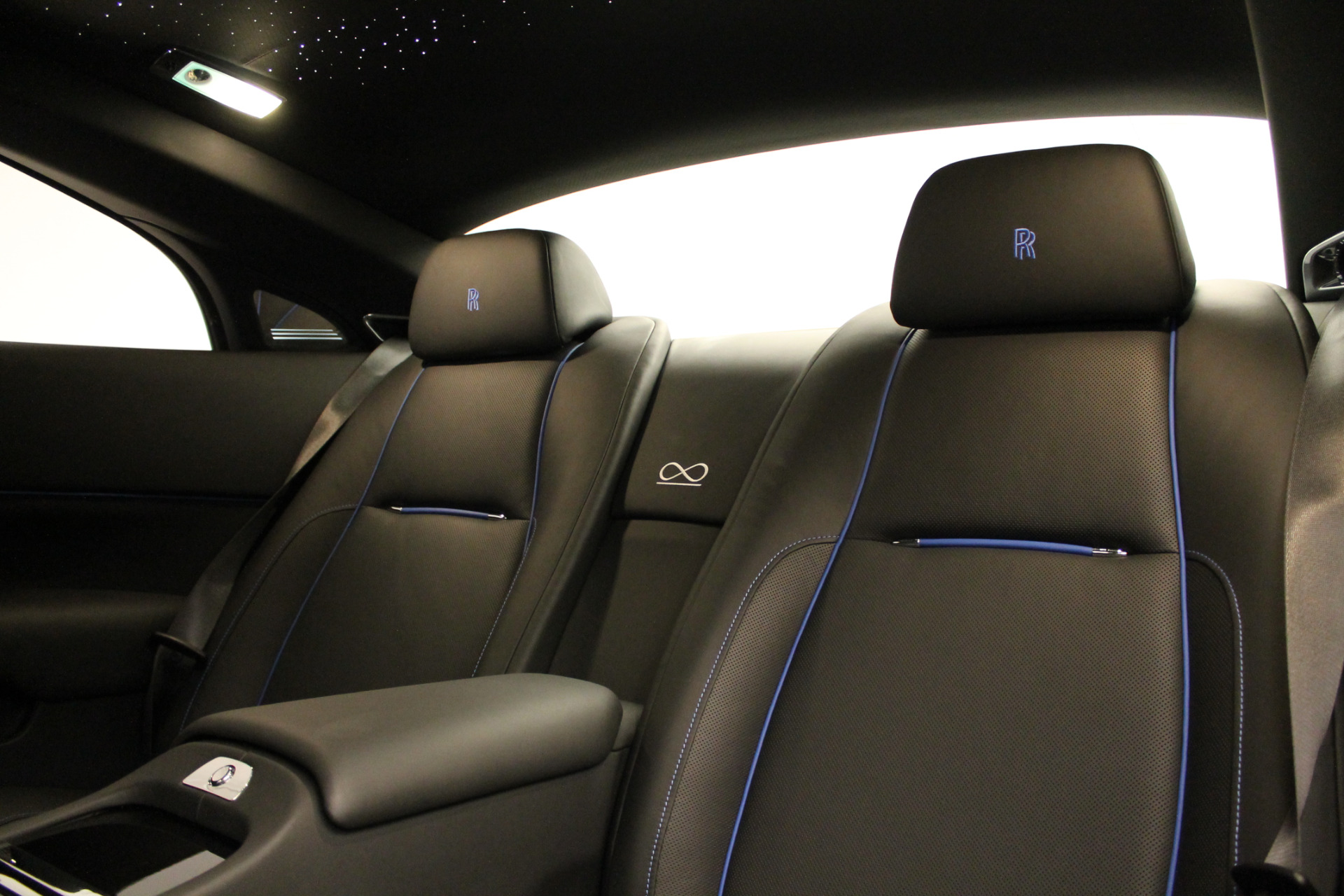 New 2018 Rolls-Royce Wraith Black Badge For Sale In Greenwich, CT 1806_p25