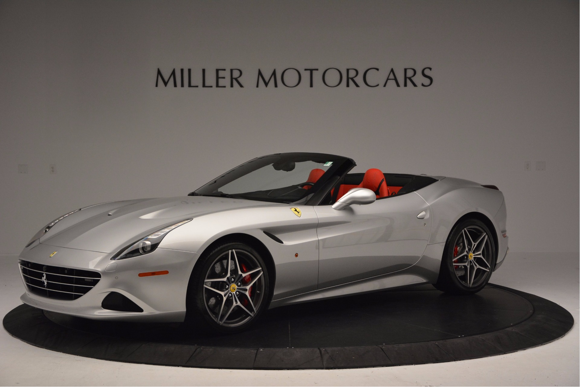 Used 2015 Ferrari California T  For Sale In Greenwich, CT 1808_p2