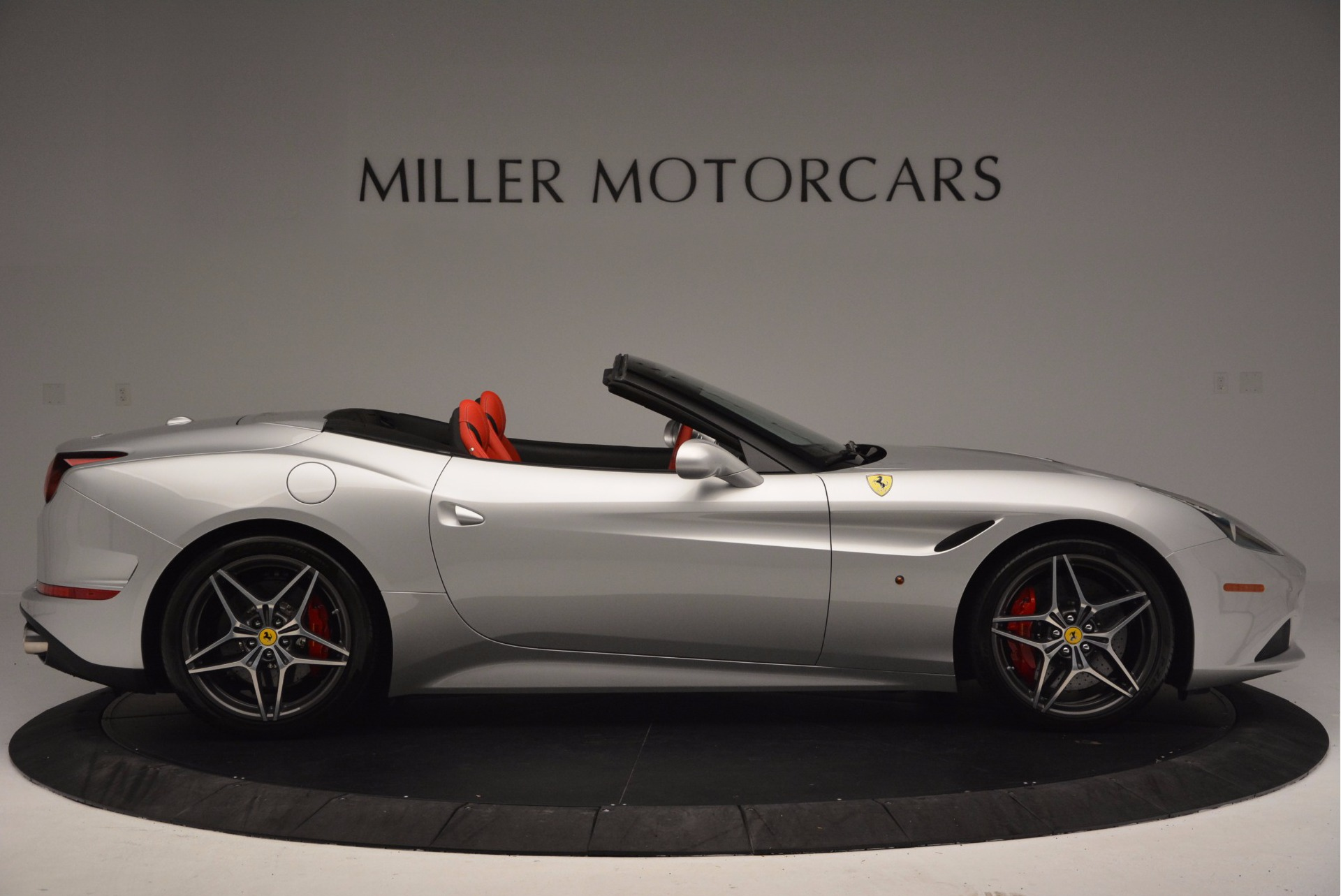 Used 2015 Ferrari California T  For Sale In Greenwich, CT 1808_p9