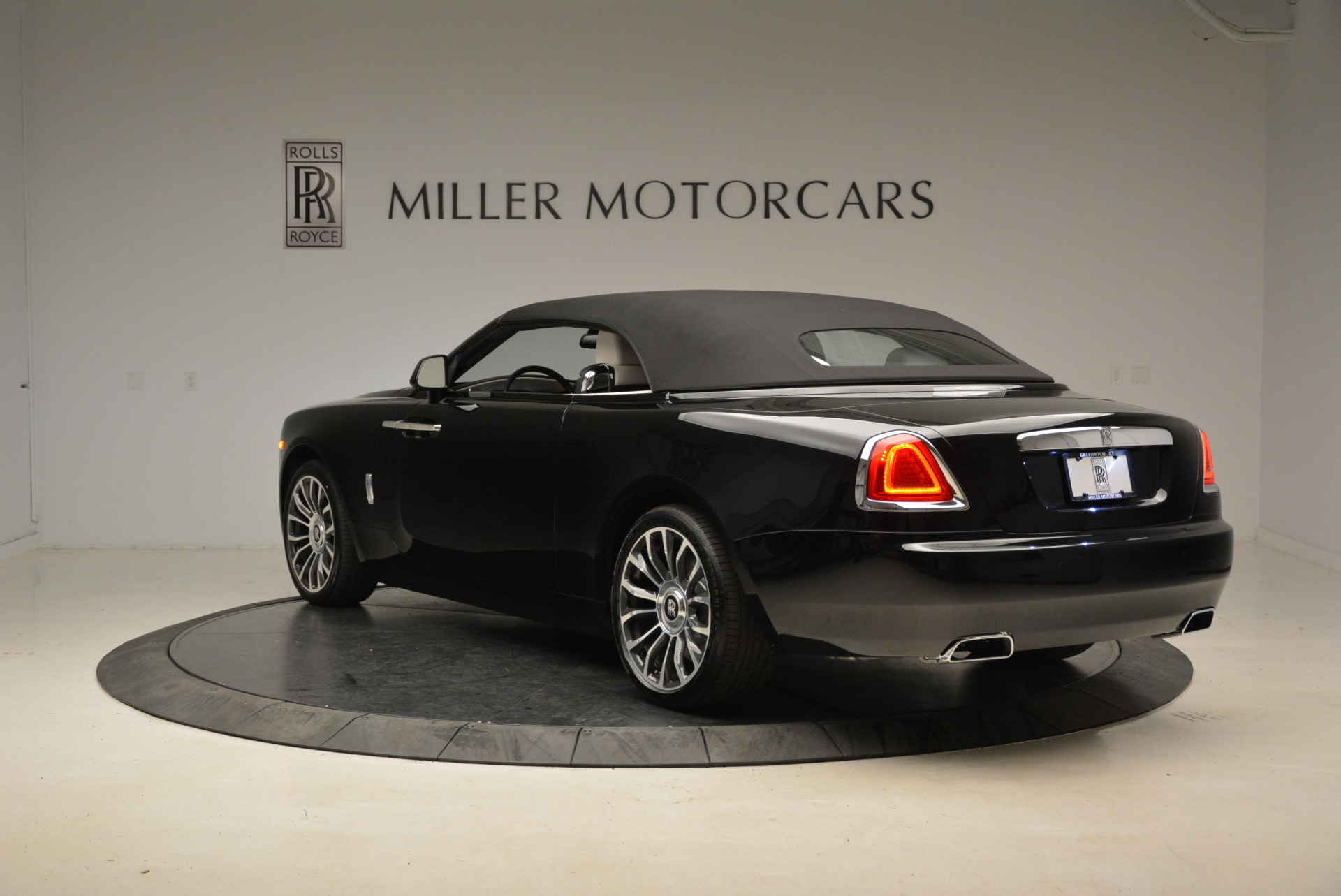 New 2018 Rolls-Royce Dawn  For Sale In Greenwich, CT 1842_p17