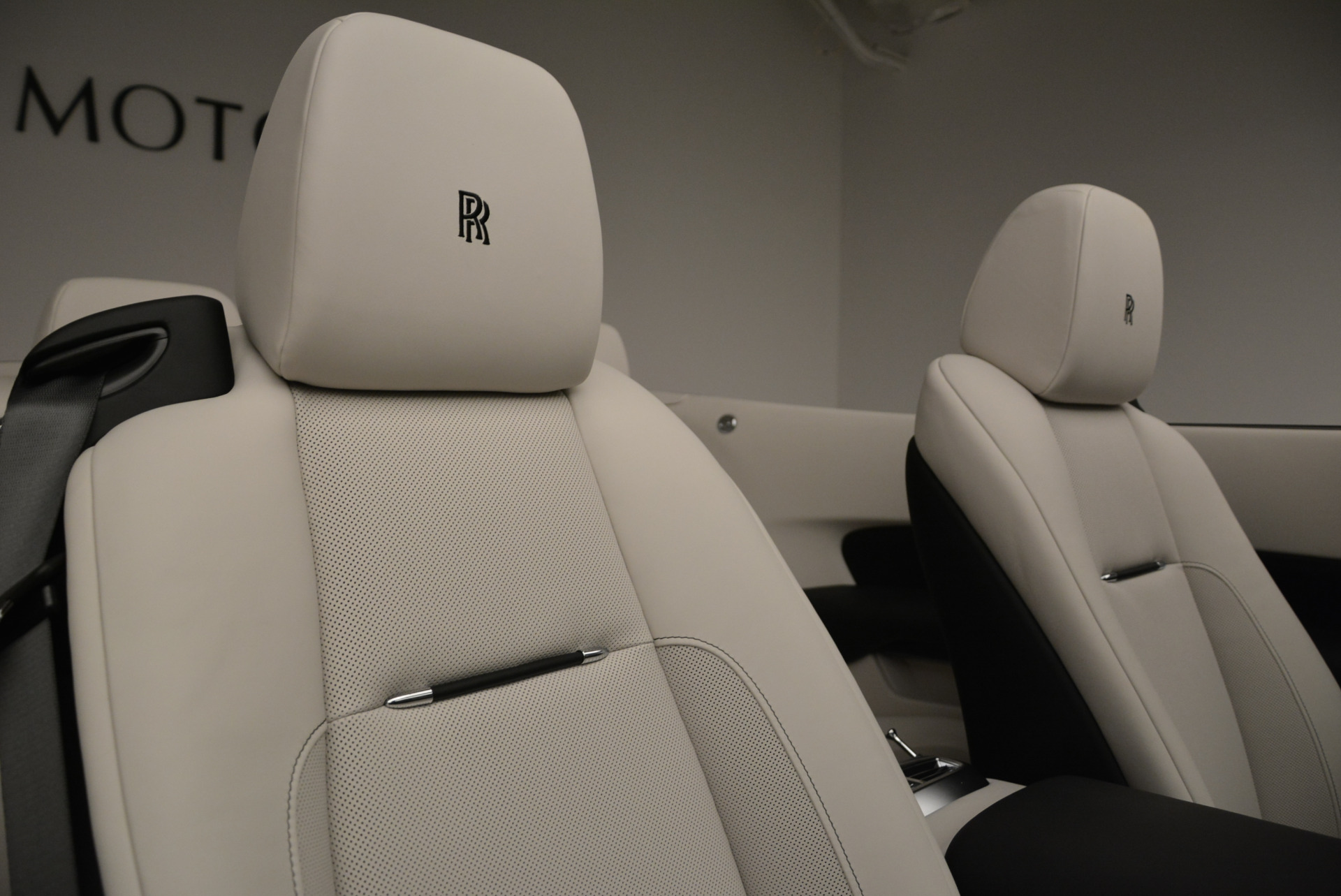New 2018 Rolls-Royce Dawn  For Sale In Greenwich, CT 1842_p37